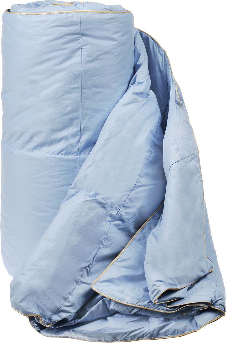 Одеяло легкое Легкие сны Камелия, наполнитель: гусиный пух, 172 х 205 см20.04.12.0015Легкое двуспальное одеяло Легкие сны Камелия поможет расслабиться, снимет усталость и подарит вам спокойный и здоровый сон. Одеяло наполнено серым гусиным пухом первой категории. Кассетное распределение пуха способствует сохранению формы и воздушности изделия. Легкое пуховое одеяло - универсальный вариант на осень, весну и лето. Облегченное исполнение гарантирует воздушность и терморегуляцию. Одеяло позволяет коже дышать, обеспечивая здоровый сон и полное восстановление сил на утро. Чехол одеяла выполнен из пуходержащего тика. Это натуральная хлопчатобумажная ткань, отличающаяся высокой плотностью, идеально подходит для пухо-перовых изделий, так как устойчива к проколам и разрывам, а также отличается долговечностью в использовании. Одеяло простегано и отделано по краю шелковым кантом золотистого цвета. Одеяло можно стирать в стиральной машине.