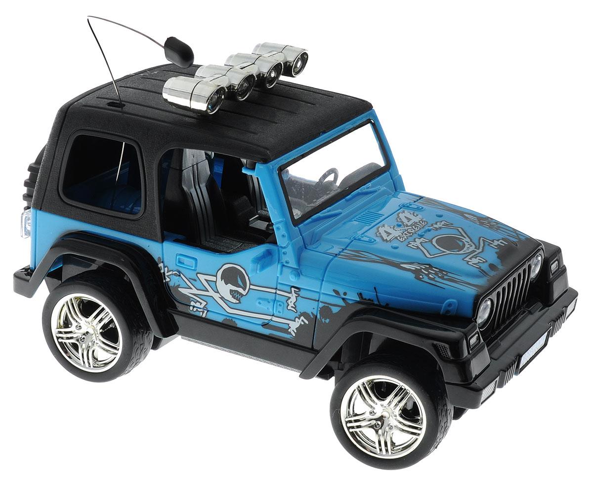 """Машина на радиоуправлении Balbi """"4х4 Extreme"""" станет отличным подарком любому мальчику! Мощный внедорожник не оставит равнодушными ни детей, ни взрослых. Модель выполнена из прочного безопасного пластика в масштабе 1:18. Благодаря выдающимся характеристикам ходовой части играть с машиной можно на улице на ровном участке дороги. Машинка движется вперед, назад, вправо, влево и останавливается. Имеются световые эффекты. Пульт управления работает на частоте 27 MHz. Радиоуправляемые игрушки способствуют развитию координации движений, моторики и ловкости. Ваш ребенок часами будет играть с моделью, придумывая различные истории и устраивая соревнования. Порадуйте его таким замечательным подарком! Машина работает от сменного аккумулятора (входит в комплект). В наборе имеется зарядное устройство. Для работы пульта управления необходимо докупить 2 батарейки 1,5V типа АА (не входят в комплект)."""