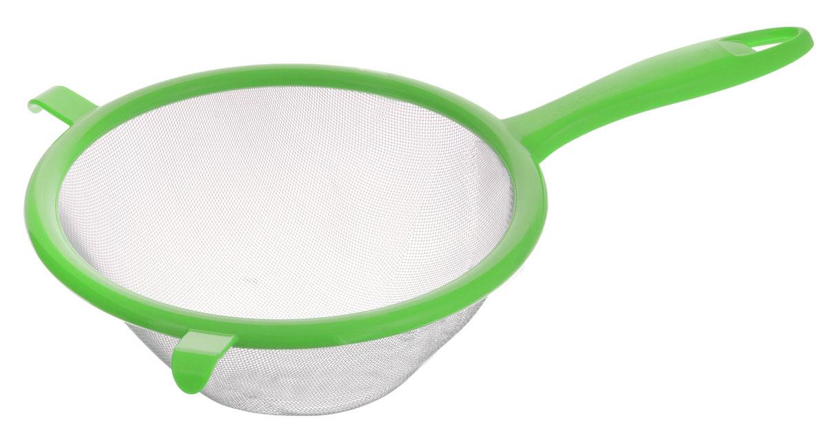 Сито Tescoma Presto, цвет: зеленый, диаметр 17 см115510Сито Tescoma Presto изготовлено из высококачественной нержавеющей стали и прочного пластика. За обычным дизайном скрывается практичность и функциональность. Эргономичная ручка снабжена отверстием для подвешивания на крючок. С этим ситом вы можете просеивать сыпучие продукты, процеживать компоты и соки. Незаменимо оно станет и для приготовления детских пюре. Удобство в использовании дополняется двумя держателями.Такое сито станет незаменимым аксессуаром на вашей кухне. Можно мыть в посудомоечной машине. Диаметр сита: 17 см. Длина (с учетом ручки): 30 см.