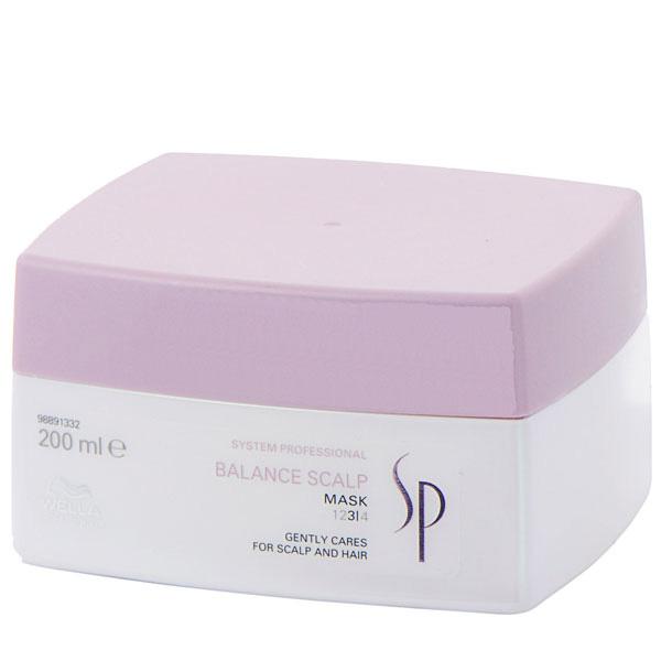 Wella SP Маска для чувствительной кожи головы Balance Scalp Mask, 200 млFS-00897Маска для чувствительной кожи головы Wella SP Balance Scalp Mask обеспечивает мягкий, интенсивный уход, успокаивает сильно раздраженную кожу головы. Маска содержит уникальные ингредиенты и комплекс Дерма Успокоение, который оказывает всестороннее действие на кожу головы, восстанавливая естественный защитный барьер, увлажняя и предотвращая ее пересыхание. Маска успокаивает кожу головы и улучшает её состояние, эффективно снимает раздражения, способствует укреплению тонких волос, уменьшает их потерю.