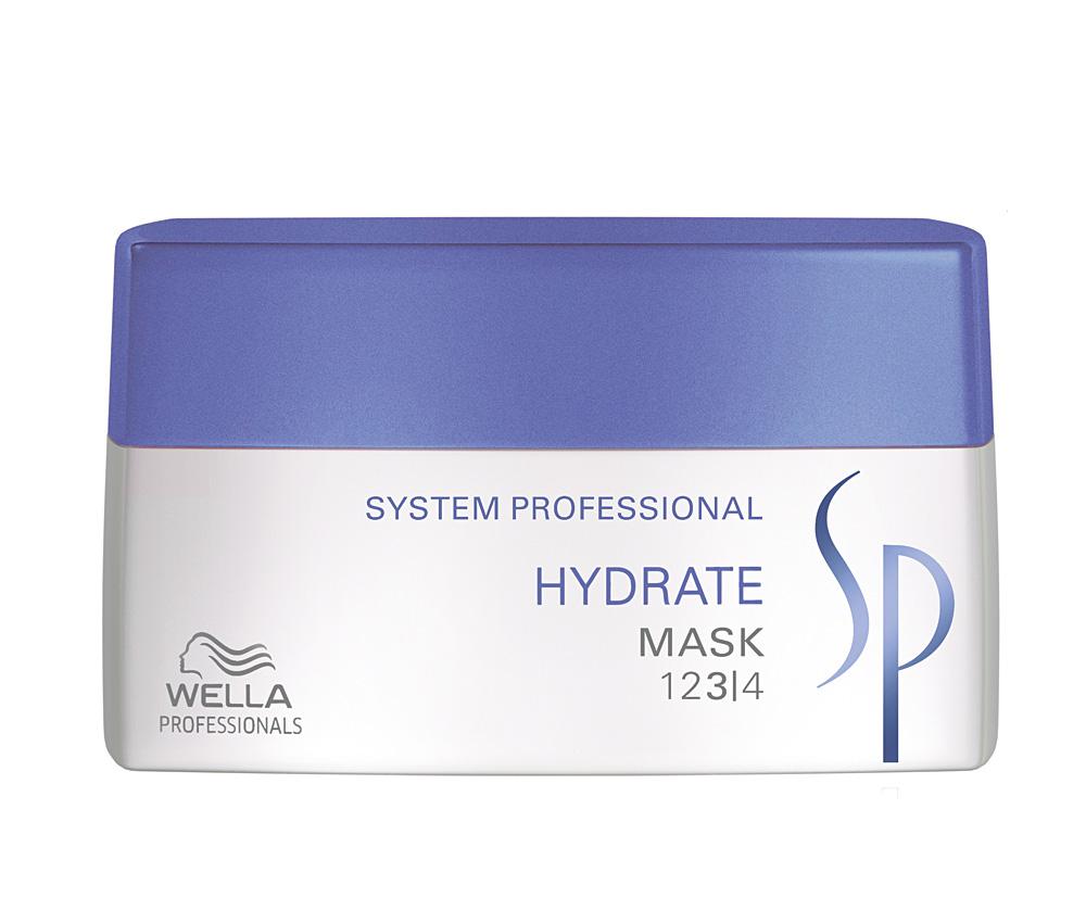 Wella SP Увлажняющая маска Hydrate Mask, 200 млFS-00897Wella SP Hydrate Mask предназначена для интенсивного увлажнения волос. Средство разработано для cухой кожи головы. Благодаря глюкозе, глицерину и пантенолу, которые входят в состав Wella SP Hydrate Mask, средство предотвращает пересыхание волос и придает локонам эластичность.