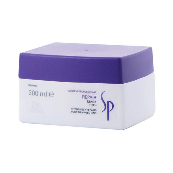Wella SP Repair Mask - Восстанавливающая маска 200 млSatin Hair 7 BR730MNВосстанавливающая маска Wella SP Repair Mask представляет собой уникальный продукт, разработанный специально для интенсивного ухода за поврежденными волосами. Эксклюзивная формула RNP, лежащая в основе маски Велла, богата содержанием кератина и способствует интенсивному восстановлению структуры волос. Входящие в состав маски протеины растительного происхождения и масло ростков пшеницы мгновенно проникают внутрь каждого волоса, делая его более сильным и упругим.