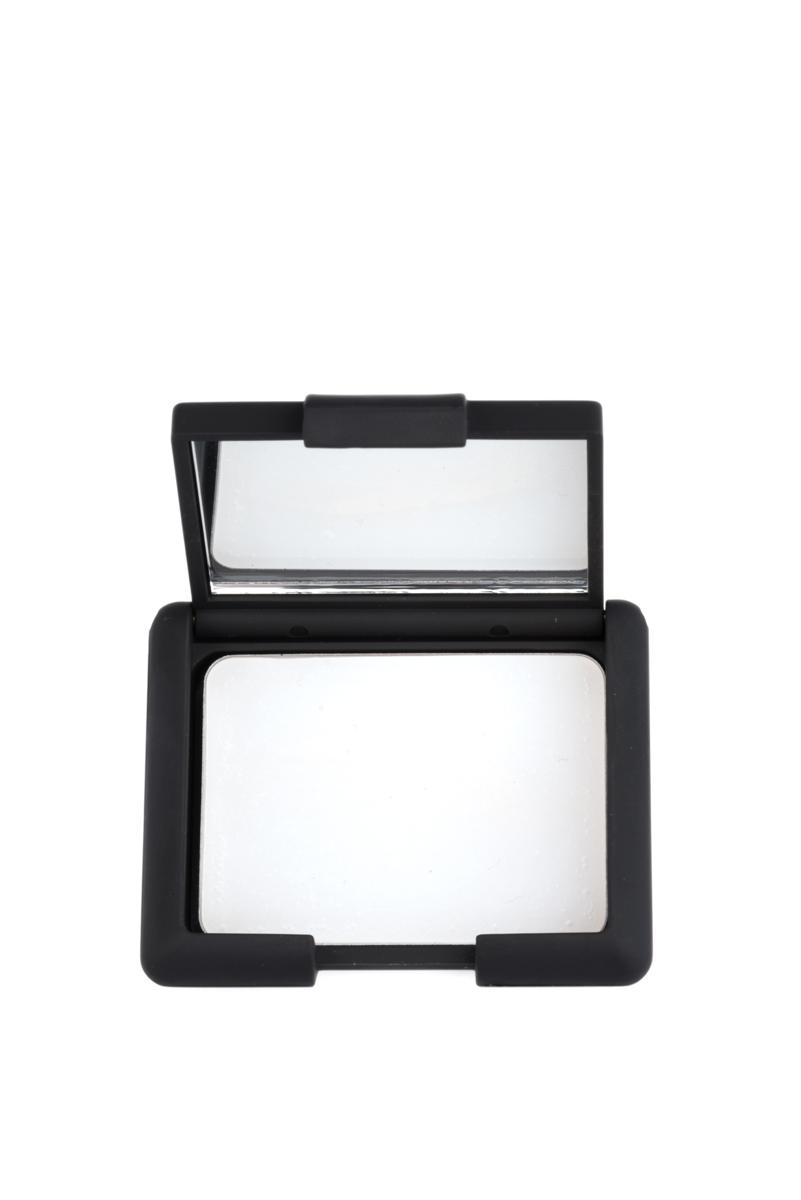 Nouba Праймер для век Perfecta Eyelids Primer 3млMFM-3101Праймер для глаз с нежной, кремовой текстурой для стойкого макияжа глаз.Идеально подходит для любой кожи, визуально скрывает мелкие морщинки и недостатки.Праймер для глаз не дает скатывается теням и значительно повышает стойкость средства, делает цвет интенсивнее.Удобная компактная упаковка с мини-зеркальцем.