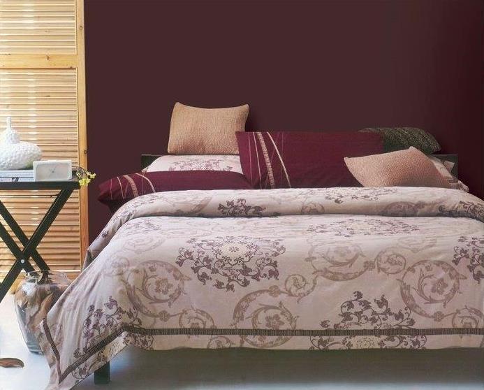 Комплект белья Arya Paura, 2-спальный, наволочки 50x70, 70x70, цвет: светло-розовый391602Роскошный комплект постельного белья Arya Paura состоит из пододеяльника, простыни и четырех наволочек, выполненных из жаккарда и сатина. Жаккард - это ткань с уникальным рисунком, который создают на специальном станке. Из-за сложного плетения эта ткань довольно жесткая, поэтому используют ее только для верхней стороны пододеяльника и наволочек. Хлопковый жаккард соединяет в себе все плюсы натуральной ткани и сложного плетения: хорошо впитывает влагу, дышит, долговечен и прочнее любой ткани, кроме натурального шелка. В сатине высокой плотности нити очень сильно скручены, поэтому ткань гладкая и немного блестит. Комплект из плотного сатина прослужит дольше любого другого хлопкового белья. Благодаря такому комплекту постельного белья вы создадите неповторимую атмосферу в вашей спальне.