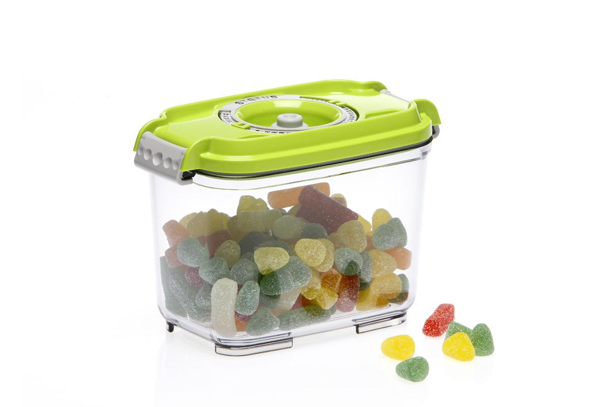 Контейнер вакуумный Status, цвет: прозрачный, зеленый, 0,8 лVAC-REC-08 GreenВакуумный контейнер Status рекомендован для хранения следующих продуктов: фрукты, овощи, хлеб, колбасы, сыры, сладости, соусы, супы.Благодаря использованию вакуумных контейнеров, продукты не подвергаются внешнему воздействию и срок хранения значительно увеличивается. Продукты сохраняют свои вкусовые качества и аромат, а запахи в холодильнике не перемешиваются.Контейнер изготовлен из прочного хрустально-прозрачного тритана. На крышке - индикатор даты (месяц, число).Допускается замораживание (до -21 °C), мойка контейнера в посудомоечной машине, разогрев в СВЧ (без крышки).Объем контейнера: 0,8 л.Размер: 15,5 х 9 х 10,5 см.