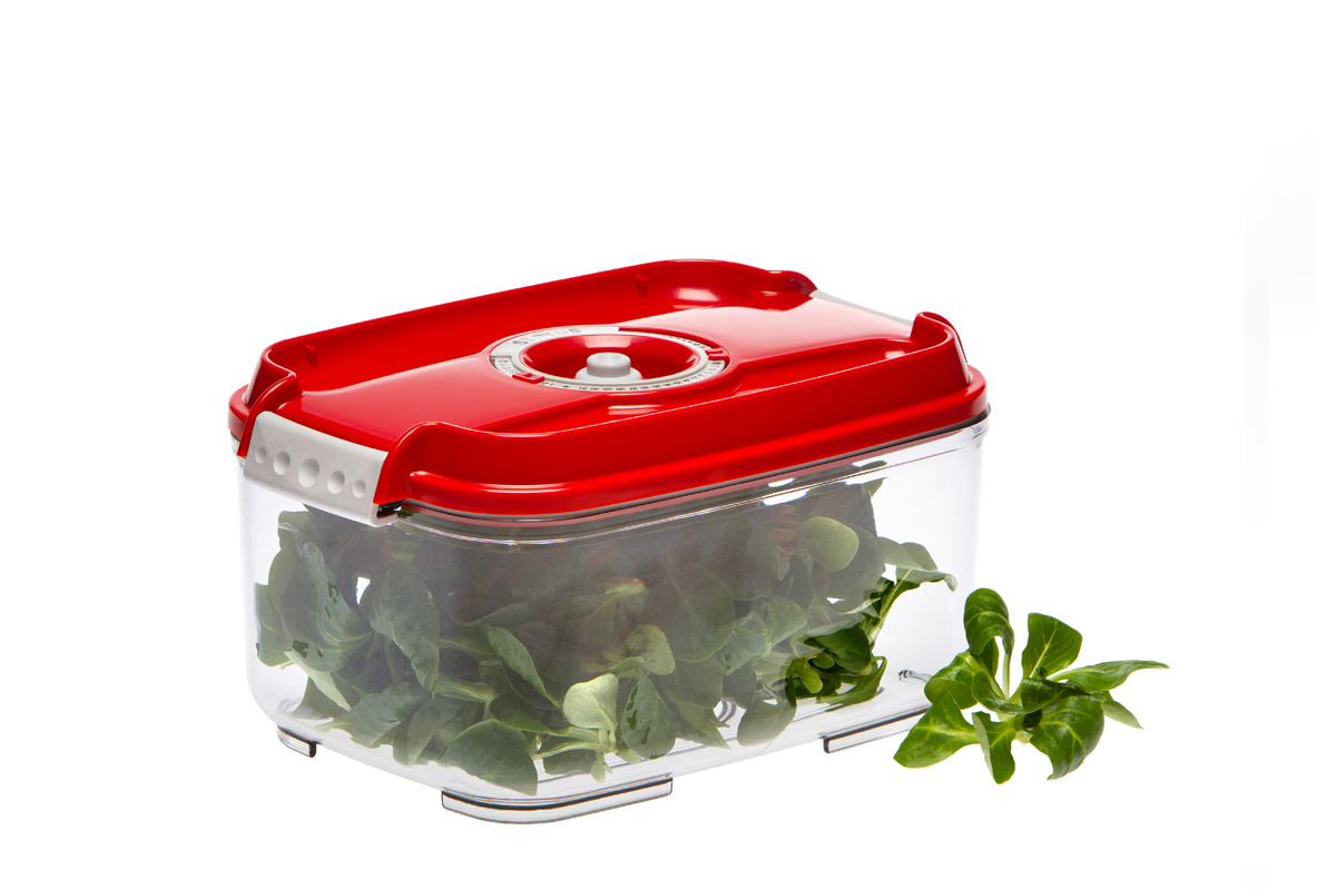 Контейнер вакуумный Status, цвет: прозрачный, красный, 2 лVAC-REC-20 BlueВакуумный контейнер Status рекомендован для хранения следующих продуктов: фрукты, овощи, хлеб, колбасы, сыры, сладости, соусы, супы.Благодаря использованию вакуумных контейнеров, продукты не подвергаются внешнему воздействию и срок хранения значительно увеличивается. Продукты сохраняют свои вкусовые качества и аромат, а запахи в холодильнике не перемешиваются.Контейнер изготовлен из прочного хрустально-прозрачного тритана. На крышке - индикатор даты (месяц, число).Допускается замораживание (до -21 °C), мойка контейнера в посудомоечной машине, разогрев в СВЧ (без крышки).Объем контейнера: 2 л.Размер: 22,5 x 15,5 x 11,5 см.