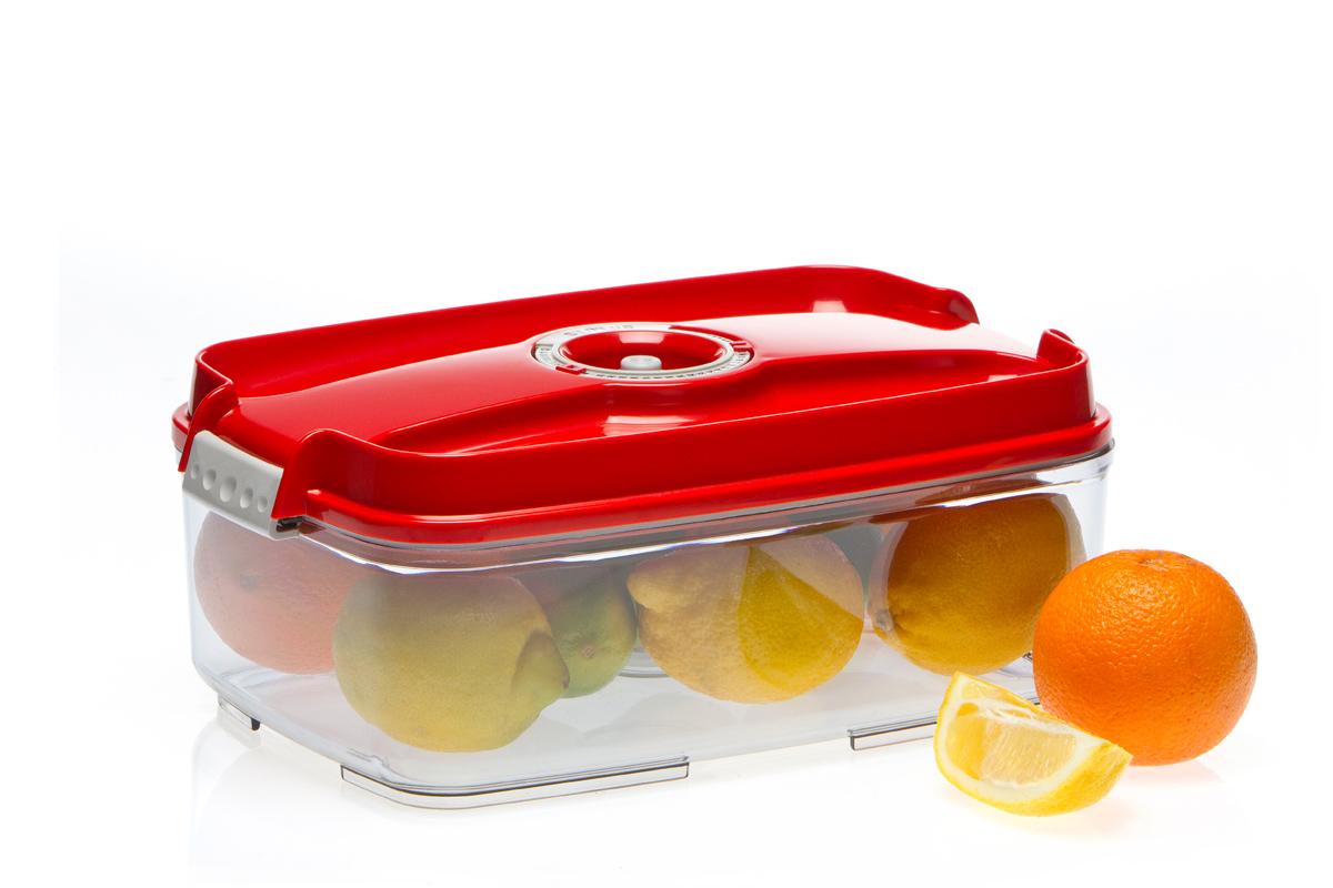 Контейнер вакуумный Status, цвет: прозрачный, красный, 3 лД Дачно-Деревенский 20Вакуумный контейнер Status рекомендован для хранения следующих продуктов: фрукты, овощи, хлеб, колбасы, сыры, сладости, соусы, супы.Благодаря использованию вакуумных контейнеров, продукты не подвергаются внешнему воздействию и срок хранения значительно увеличивается. Продукты сохраняют свои вкусовые качества и аромат, а запахи в холодильнике не перемешиваются.Контейнер изготовлен из прочного хрустально-прозрачного тритана. На крышке - индикатор даты (месяц, число).Допускается замораживание (до -21 °C), мойка контейнера в посудомоечной машине, разогрев в СВЧ (без крышки).Объем контейнера: 3 л.Размер: 29,5 x 18,5 x 11,5 см.