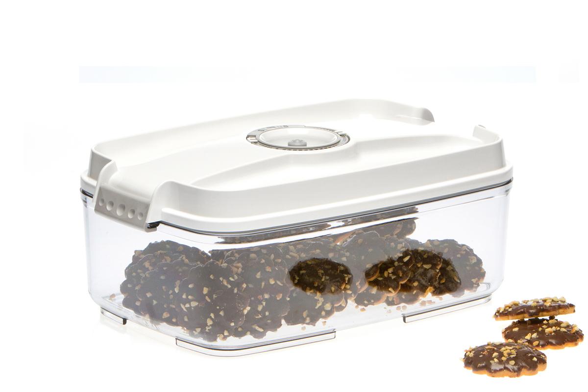 Контейнер вакуумный Status, цвет: прозрачный, белый, 3 лVT-1520(SR)Вакуумный контейнер Status рекомендован для хранения следующих продуктов: фрукты, овощи, хлеб, колбасы, сыры, сладости, соусы, супы.Благодаря использованию вакуумных контейнеров, продукты не подвергаются внешнему воздействию и срок хранения значительно увеличивается. Продукты сохраняют свои вкусовые качества и аромат, а запахи в холодильнике не перемешиваются.Контейнер изготовлен из прочного хрустально-прозрачного тритана. На крышке - индикатор даты (месяц, число).Допускается замораживание (до -21 °C), мойка контейнера в посудомоечной машине, разогрев в СВЧ (без крышки).Объем контейнера: 3 л.Размер: 29,5 x 18,5 x 11,5 см.
