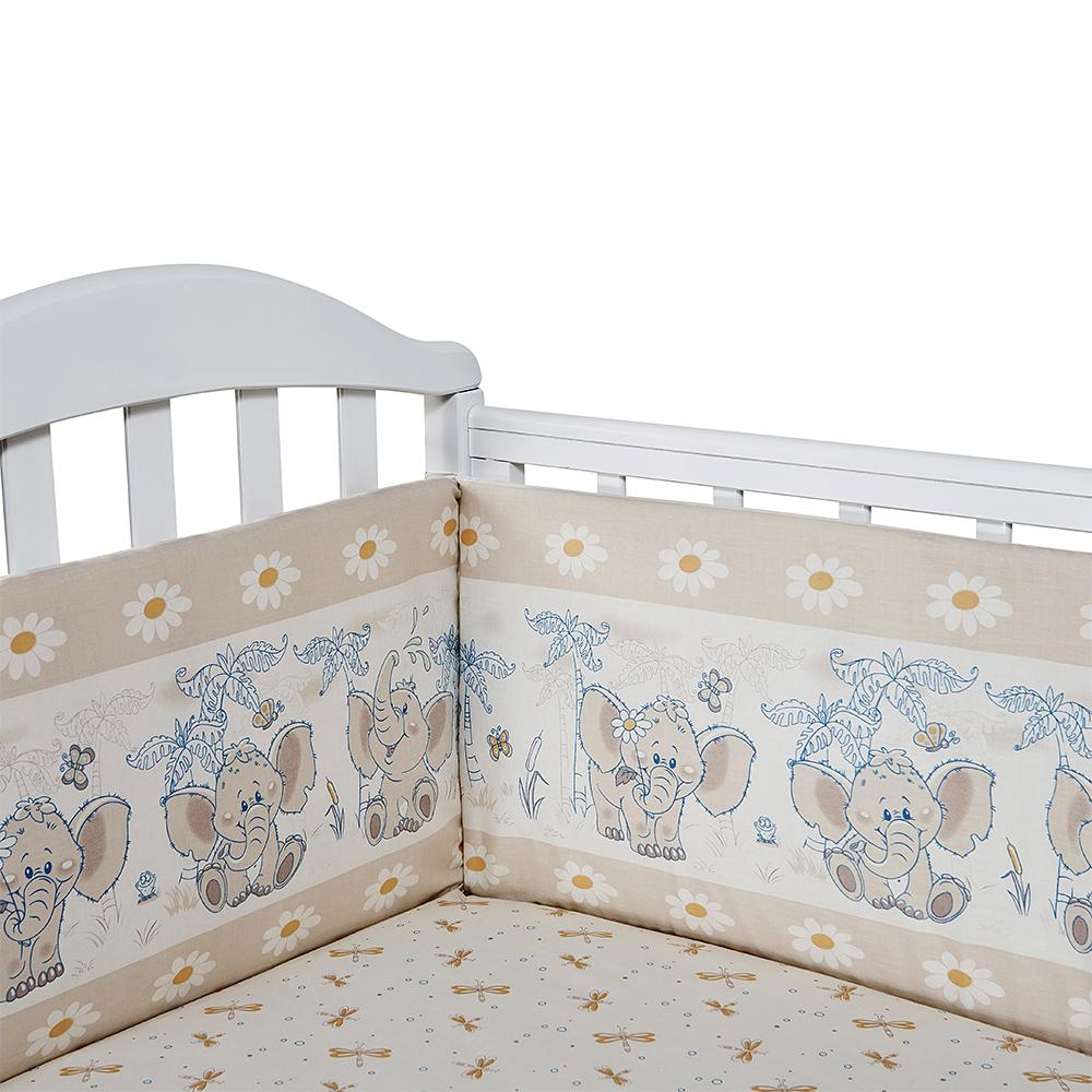 Борт в кроватку (его ещё называют бампер) является отличной защитой малыша от сквозняков и ударов при поворотах в кроватке. Ткань верха: 100% хлопок, наполнитель: экологически чистый нетканый материал для мягкой мебели — периотек. Дизайны бортов сочетаются с дизайнами постельного белья, так что, можно самостоятельно сделать полный комплект, идеальный для сна. Борта в кроватку — мягкие удобные долговечные: надежная и эстетичная защита вашего ребенка! 4-е стороны: 120х35-2шт,60х35-2 шт.