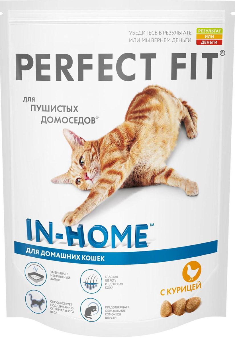 Корм сухой Perfect Fit, для домашних кошек, с курицей, 650 г41033Perfect Fit – это специально разработанный корм, созданный для того, чтобы обеспечить вашу кошку всеми питательными веществами, необходимыми для долгой и здоровой жизни. Специально для пушистых домоседов разработан Perfect Fit™ с формулой In-Home. Сбалансированная рецептура помогает поддерживать идеальный вес кошек, редко выходящих на улицу. Клетчатка способствует мягкому пищеварению и выводит комочки шерсти из организма естественным путем, биотин, цинк и омега-кислоты делают шерсть гладкой и шелковистой. А экстракт Юкки Шидегера уменьшает неприятный запах кошачьего туалета.Ингредиенты: дегидратированный белок птицы (курица не менее 24%), дегидратированный животный белок, животный жир, кукуруза, кукурузный глютен, кукурузная мука, рис, рисовый белок, соевая мука, сушеная свекла, дрожжи, мука из цветков календулы, витамины и минералы, соль.Биохимический состав: белок - 41%, жир - 14,5%, клетчатка - 3,5%, зола - 9%, влажность - 9%, кальций - 1,1%, фосфор - 1,0%, магний - 0,1%, цинк - 0,005%, медь - 0,001%, таурин - 0,2%, витамин А - 1200 МЕ, витамин D3 - 120 МЕ, витамин Е - 0,05%, витамин С - 0,02%.Товар сертифицирован.Уважаемые покупатели!обращаем ваше внимание на возможные изменения в дизайне упаковки. Качественные характеристики товара остались неизменными. поставка осуществляется в зависимости от наличия на складе.