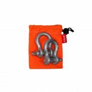 Комплект шаклов Tplus, 2 тДА-18/2М+АРабочая нагрузка: 2 т;для а/м со снаряженной массой до 1.5 т; шаклы применяются в съёмных связках для присоединения стальных тросов, буксировочных ремней, динамических строп, удлинителей лебедочного троса и корозащитных строп; коэффициент запаса прочности шаклов 1:6
