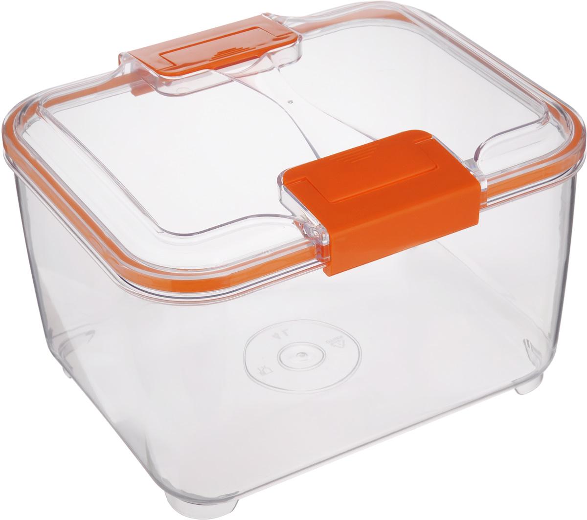 Контейнер Status, цвет: прозрачный, оранжевый, 4 л4630003364517Пищевой контейнер Status изготовлен из высококачественного пищевого пластика. Контейнер безопасен для здоровья, не содержит BPA. Изделие имеет прямоугольную форму и оснащено плотно закрывающейся крышкой. Прозрачные стенки позволяют видеть содержимое. Контейнер закрывается при помощи двух защелок.Можно мыть в посудомоечной машине.Контейнер подходит для использования вморозильной камере и СВЧ.