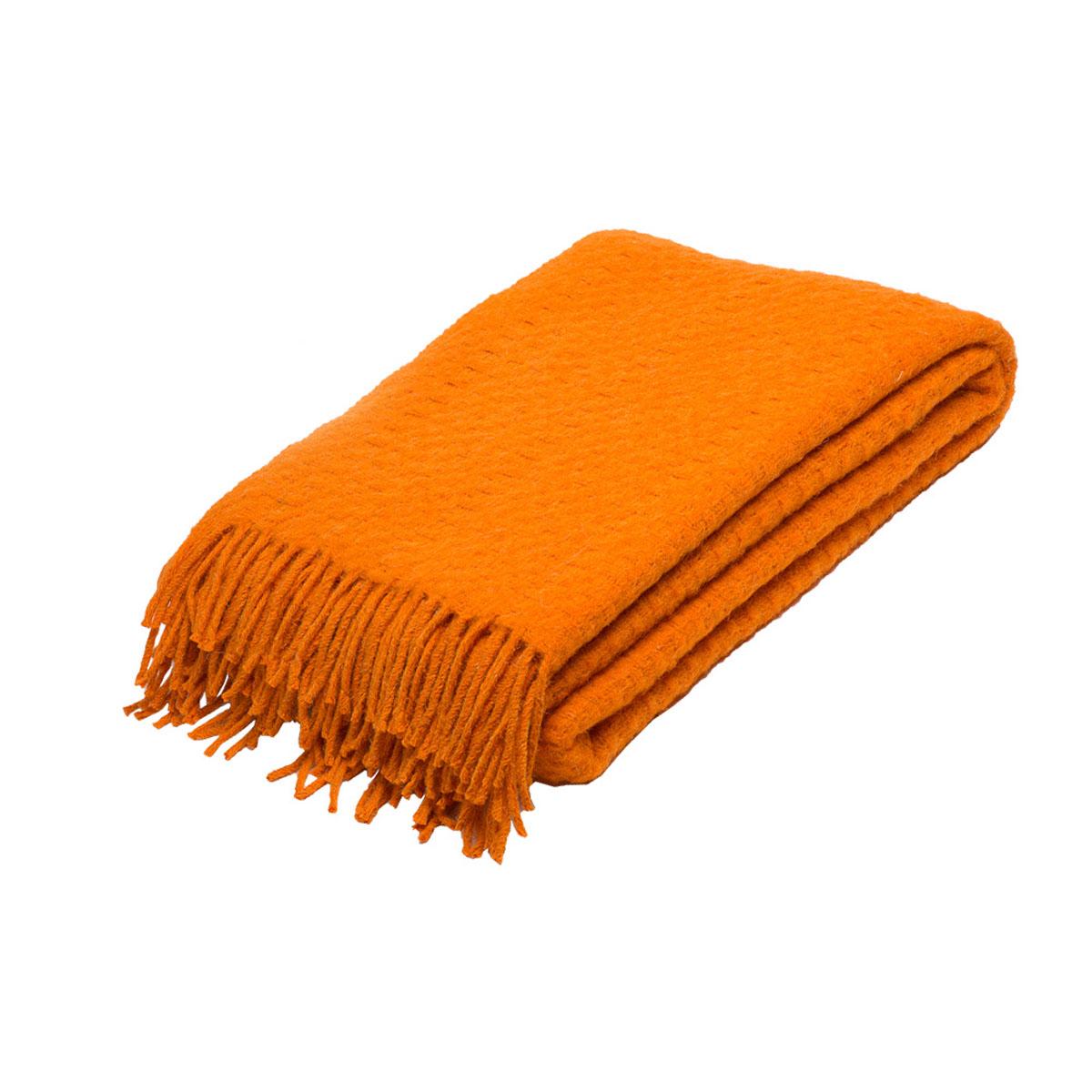Плед Руно Estivo, цвет: оранжевый, 140 х 200 см. 1-511-140 (68)58393Плед Руно Estivo гармонично впишется в интерьер вашего дома и создаст атмосферу уюта и комфорта. Чрезвычайно мягкий и теплый плед с кистями изготовлен из натуральной овечьей шерсти. Высочайшее качество материала гарантирует безопасность не только взрослых, но и самых маленьких членов семьи.Плед - это такой подарок, который будет всегда актуален, особенно для ваших родных и близких, ведь вы дарите им частичку своего тепла!