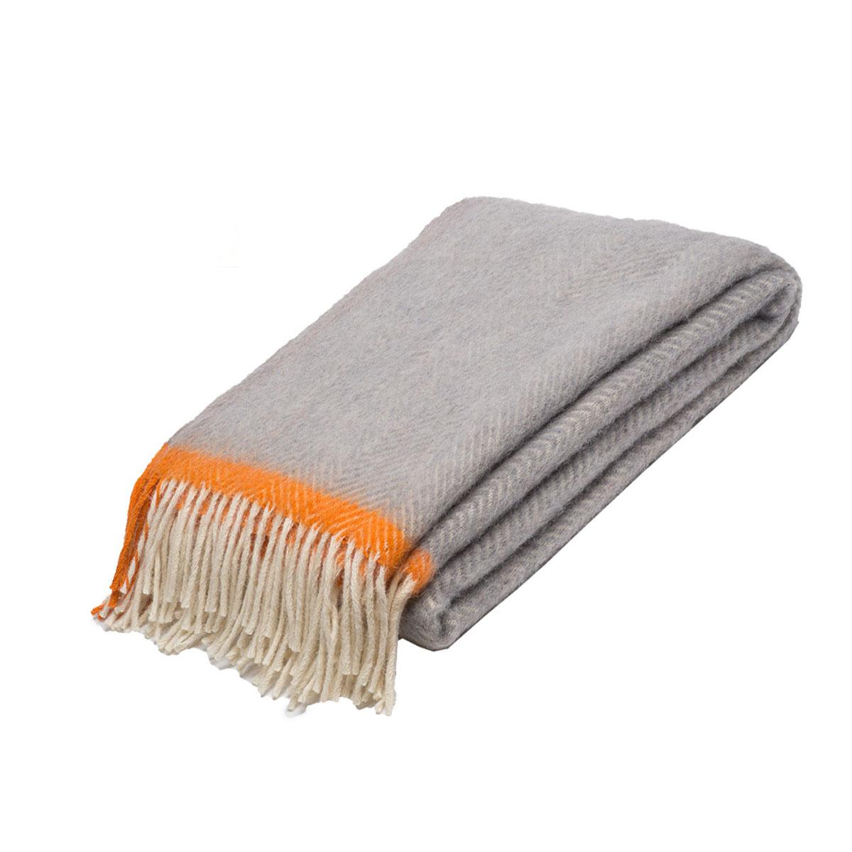 Плед Руно Mone, цвет: светло-серый, оранжевый, 140 х 200 см. 1-541-140 (02)FD-59Плед Руно Mone гармонично впишется в интерьер вашего дома и создаст атмосферу уюта и комфорта. Чрезвычайно мягкий и теплый плед с кистями изготовлен из натуральной овечьей шерсти. Высочайшее качество материала гарантирует безопасность не только взрослых, но и самых маленьких членов семьи.Плед - это такой подарок, который будет всегда актуален, особенно для ваших родных и близких, ведь вы дарите им частичку своего тепла!