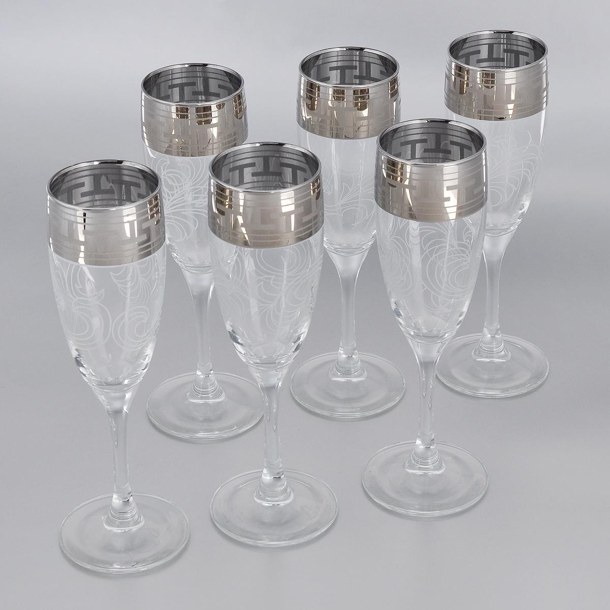 Набор бокалов Гусь-Хрустальный Греческий узор, 170 мл, 6 штVT-1520(SR)Набор Гусь-Хрустальный Греческий узор состоит из 6 бокалов на длинных тонких ножках, изготовленных из высококачественного натрий-кальций-силикатного стекла. Изделия оформлены красивым зеркальным покрытием и белым матовым орнаментом. Бокалы предназначены для шампанского или вина. Такой набор прекрасно дополнит праздничный стол и станет желанным подарком в любом доме. Разрешается мыть в посудомоечной машине. Диаметр бокала (по верхнему краю): 5 см. Высота бокала: 19 см.