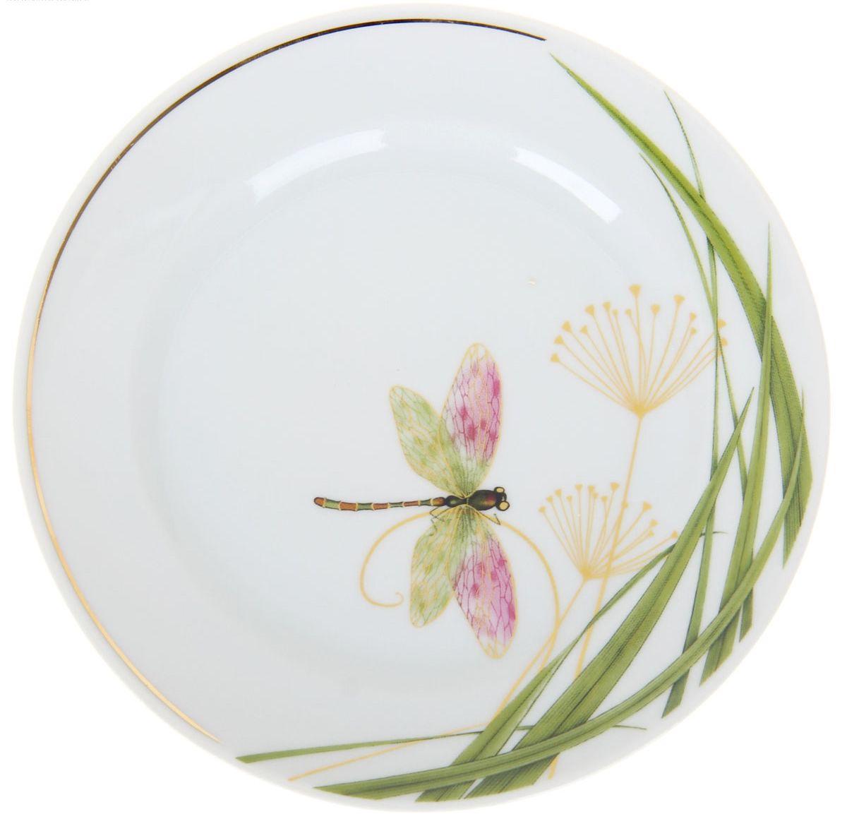 Тарелка мелкая Идиллия. Стрекоза, диаметр 17 см1224521Глубокая тарелка Идиллия. Стрекоза выполнена из высококачественного фарфора и украшена ярким изображением. Она прекрасно впишется в интерьер вашей кухни и станет достойным дополнением к кухонному инвентарю. Тарелка Идиллия. Стрекоза подчеркнет прекрасный вкус хозяйки и станет отличным подарком.