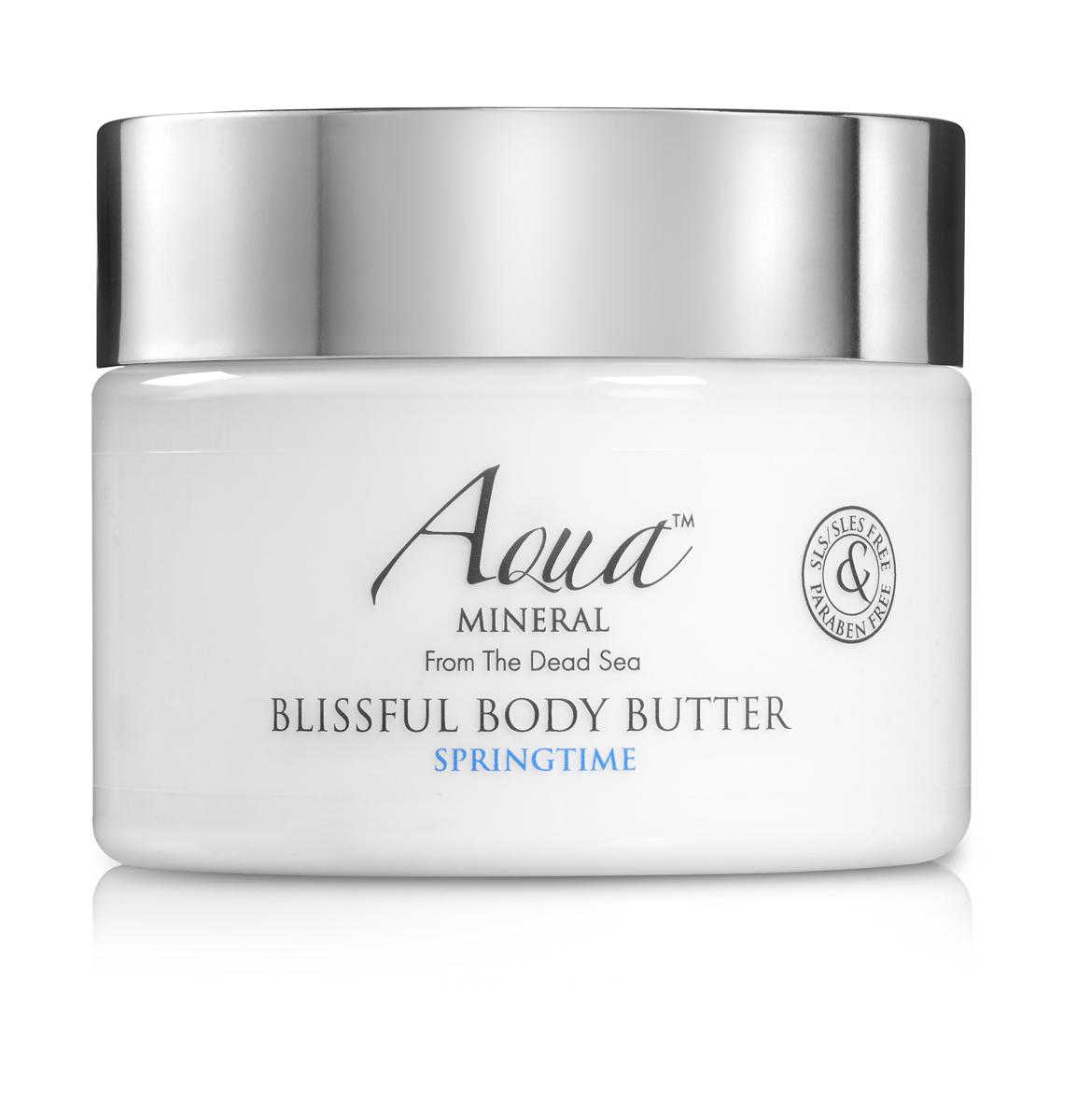 Aqua mineral Крем-масло восхитительное для тела Весенняя пора 350 мл4650001790309Этот легкий деликатный крем увлажняет и защищает кожу рук. Имеет легкую текстуру и быстро впитывается. Обогащен натуральным маслом оливы, маслом ши, маслом сладкого миндаля и маслом авокадо, которые в комплексе помогают коже рук выглядеть ухоженной вне зависимости от погодных условий, обеспечивая ощущение мягкости, питая и заживляющие кожу. Витамин Е и коэнзим Q-10, природные антиоксиданты, придающие коже энергию и обладающие омолаживающим действием.