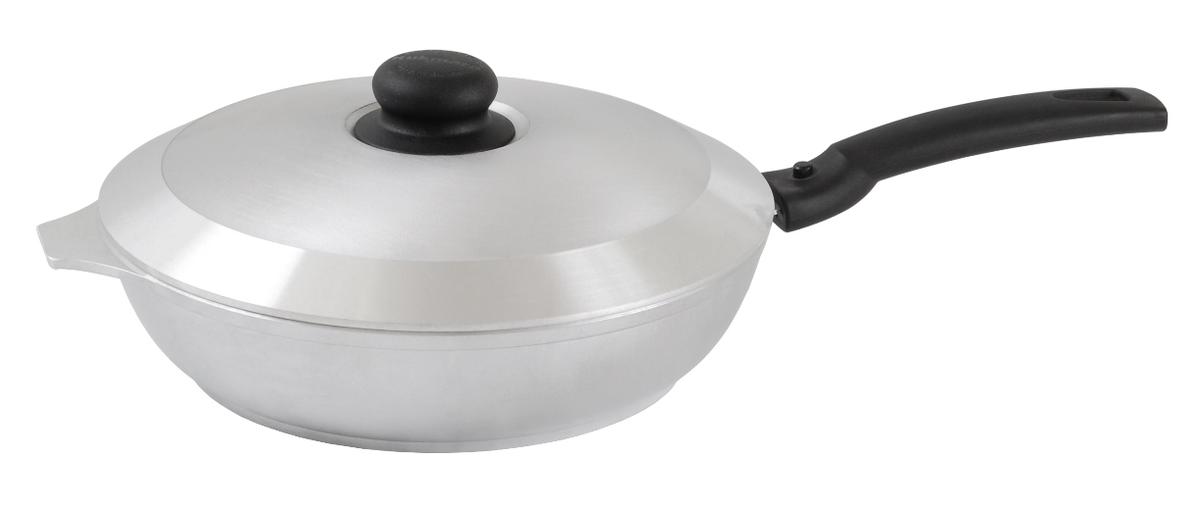 Сковорода Kukmara с крышкой, со съемной ручкой. Диаметр 26 см94672Сковорода Kukmara изготовлена из литого алюминия. Она идеально подходит для жарки мяса, запекания, тушения овощей, еда в такой посуде не пригорает, а томится как в русской печи. Толстостенная сковорода обеспечивает быстрое и равномерное распределение тепла по всей поверхности. Сковорода экологически безопасная и не подвергается деформации. Изделие оснащено крышкой и съемной пластиковой ручкой.Такая сковорода понравится как любителю, так и профессионалу. Сковорода подходит для газовых и электрических плит. Диаметр сковороды по верхнему краю: 26 см. Высота стенки: 6 см.