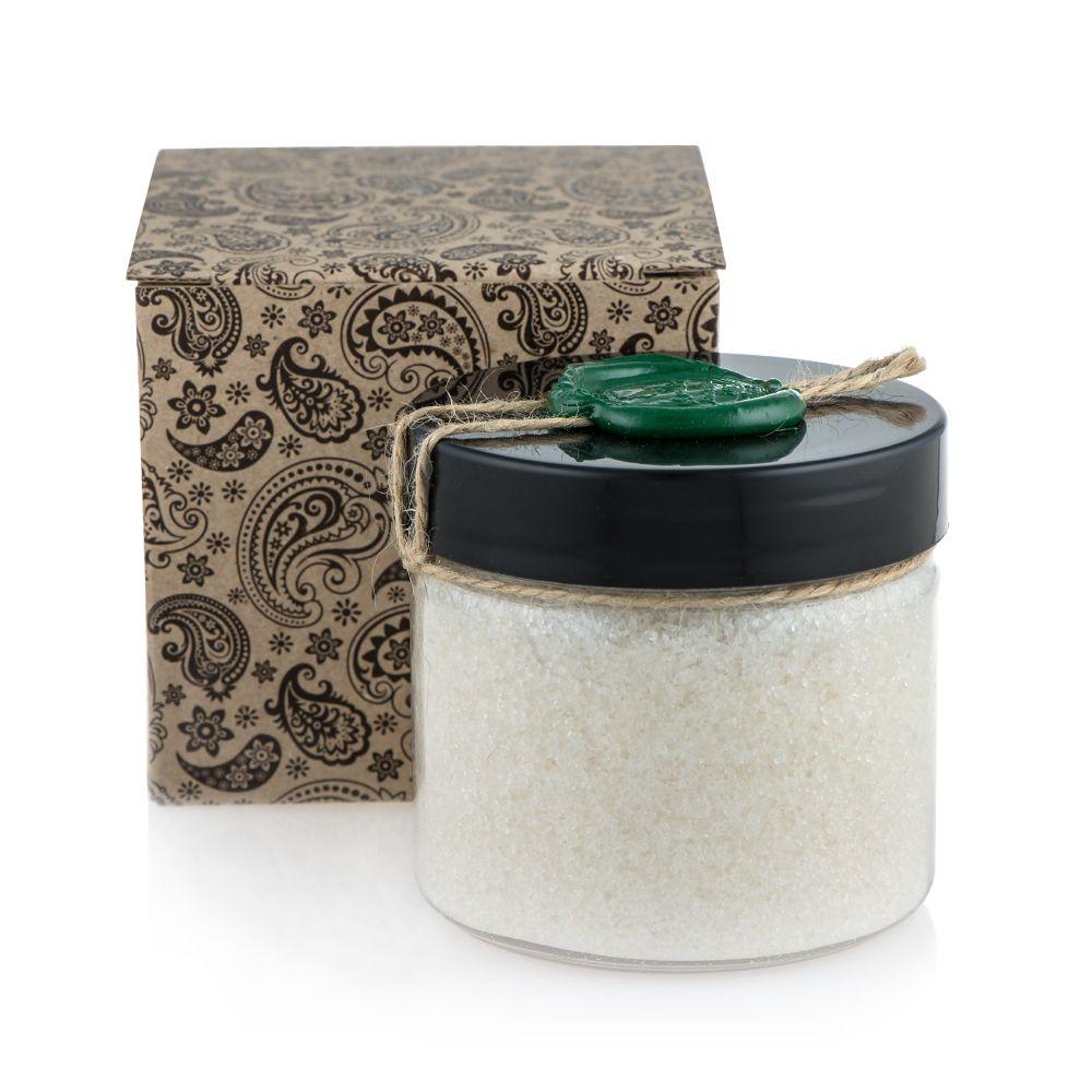 Huilargan Натуральная соль мертвого моря глубокий пилинг с аргановым маслом, 300 г4650001792662Соль Мертвого моря это богатейший источник ценнейших минералов и микроэлементов, которые присутствовали со времен зарождения жизни на земле.Минералы вторые после витаминов вещества, которые ассоциируются у нас со здоровьем. Но витамины будут усвоены организмом человека только, при достаточном количестве макро и микроэлементов. Кожа (20% веса организма) является лучшим органом для доставки минеральных солей в организм, через нее вводятся все недостающие вещества. Обтирания, ванны и ванночки, аппликации и компрессы с солью Мертвого моря обладают универсальным:? Омолаживающим,? Оздоровляющим,? Лечебным действием, наполняя нас жизненной силой и энергией.Косметический и оздоровительный эффект? Предупреждает преждевременное старание кожи;? Очищает и устраняет сальность кожи, угревую сыпь;? Разглаживает морщины на лице и области декольте;? Обладает антицеллюлитным действием;? Укрепляет уставшую кожу, придает ей эластичность и шелковистость;? Способствует снижению веса;? Снимает усталость, стрессовые напряжения и раздражительность, повышает трудоспособность;? Предотвращает напряжение в мышцах после тяжелой физической работы и тренировок;? Снимает головные боли;Как правильно принимать ванну с солью Мертвого моря?? Перед приемом ванны необходимо кожу очистить с помощью мыла и воды. Для принятия процедуры налейте в ванну примерно 80 литров горячей воды, растворите необходимое количество соли, затем с помощью холодной воды доведите температуру до оптимальной (37-39.С) и лягте в ванну на 15-20 минут. После ванны в течение часа постарайтесь находиться в тепле и покое.? При отсутствии противопоказаний ванны можно принимать 15-20 минут, 3 раза в неделю, на протяжении 6 недель. Далее, желательно сделать месячный перерыв, если вы принимали ванны с концентрацией соли более 200 г на ванну.МаникюрЛечебные и профилактические ванночки для рук: а) 1 мер. Лож. Соли/теплая вода. 20 процедур (через 