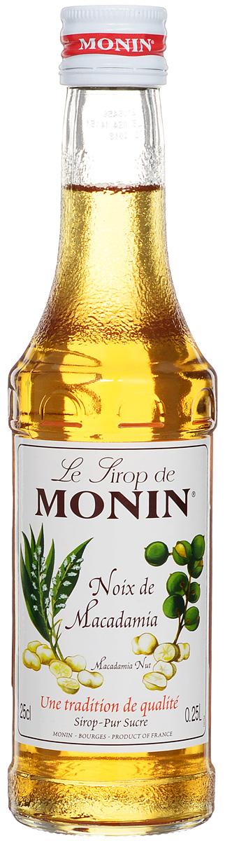 Monin Бразильский орех сироп, 0.25 л0120710Густой и маслянистый вкус сиропа Monin Бразильский орех очень напоминает более знакомый в России фундук. Подходит к десертам, кофе, лимонаду, чаю, коктейлям.Сиропы Monin выпускает одноименная французская марка, которая известна как лидирующий производитель алкогольных и безалкогольных сиропов в мире. В 1912 году во французском городке Бурже девятнадцатилетний предприниматель Джордж Монин основал собственную компанию, которая специализировалась на производстве вин, ликеров и сиропов. Место для завода было выбрано не случайно: город Бурже находился в непосредственной близости от крупных сельскохозяйственных районов - главных поставщиков свежих ягод и фруктов.Производство сиропов стало ключевым направлением деятельности компании Monin только в 1945 году, когда пост главы предприятия занял потомок основателя - Пол Монин. Именно под его руководством ассортимент марки пополнился разнообразными сиропами из натуральных ингредиентов, которые молниеносно заслужили блестящую репутацию в кругу поклонников кофейных напитков и коктейлей. По сей день высокое качество остается базовым принципом деятельности французской марки. Сиропы Monin создаются исключительно из натуральных ингредиентов по уникальным технологиям, позволяющим сохранять в готовом продукте все полезные свойства природного сырья.Эксперты всего мира сходятся во мнении, что сиропы Monin - это законодатели мод в миксологии. Ассортимент французской марки на сегодняшний день является самым широким и насчитывает полторы сотни уникальных вкусовых решений. В каталоге компании можно найти как классические вкусы для кофейных напитков (шоколадный, ванильный, ореховый и другие сиропы), так и весьма экзотические варианты (сиропы со вкусом кокоса, зеленой мяты, тирамису, блю курасао, аниса, грейпфрута, пина колады и так далее.). Отметим, что все сиропы обладают мягкими, деликатными вкусовыми и ароматическими характеристиками, что говорит о натуральном составе продуктов.