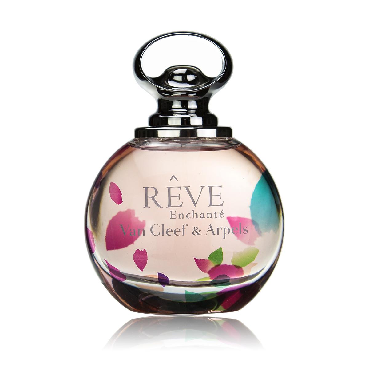 Van Cleef Reve Enchante Парфюмерная вода женская спрей 100 мл28032022Утонченный женский аромат Van Cleef & Arpels Reve Enchante, выпущенный в 2015 году известным французским брендом Van Cleef & Arpels стал открытием года. Над созданием этой нежный цветочно-фруктовый новинки работал парфюмер Эмиль Копперман. Ему удалось выпустить для ювелирного бренда романтичный и волнующий коктейль. Аромат является дополнением к весенней ювелирной коллекции бренда, а потому подчеркивает деликатность, элегантность и роскошь. Данная парфюмерная является продолжением традиций ювелирного дома и фланкером уже полюбившегося аромата 2013 года Reve. В новой редакции аромат Van Cleef & Arpels Reve Enchante звучит более трогательно и воздушно. В нем отражается особая деликатность и нежность. Необыкновенно приятный изысканный коктейль адресован молодым и романтичным женщинам, для которых были собраны сочные дольки клементина и груши, украшенные цветами персика и жасмина. Сливочная белая амбра делает аромат еще более роскошным.