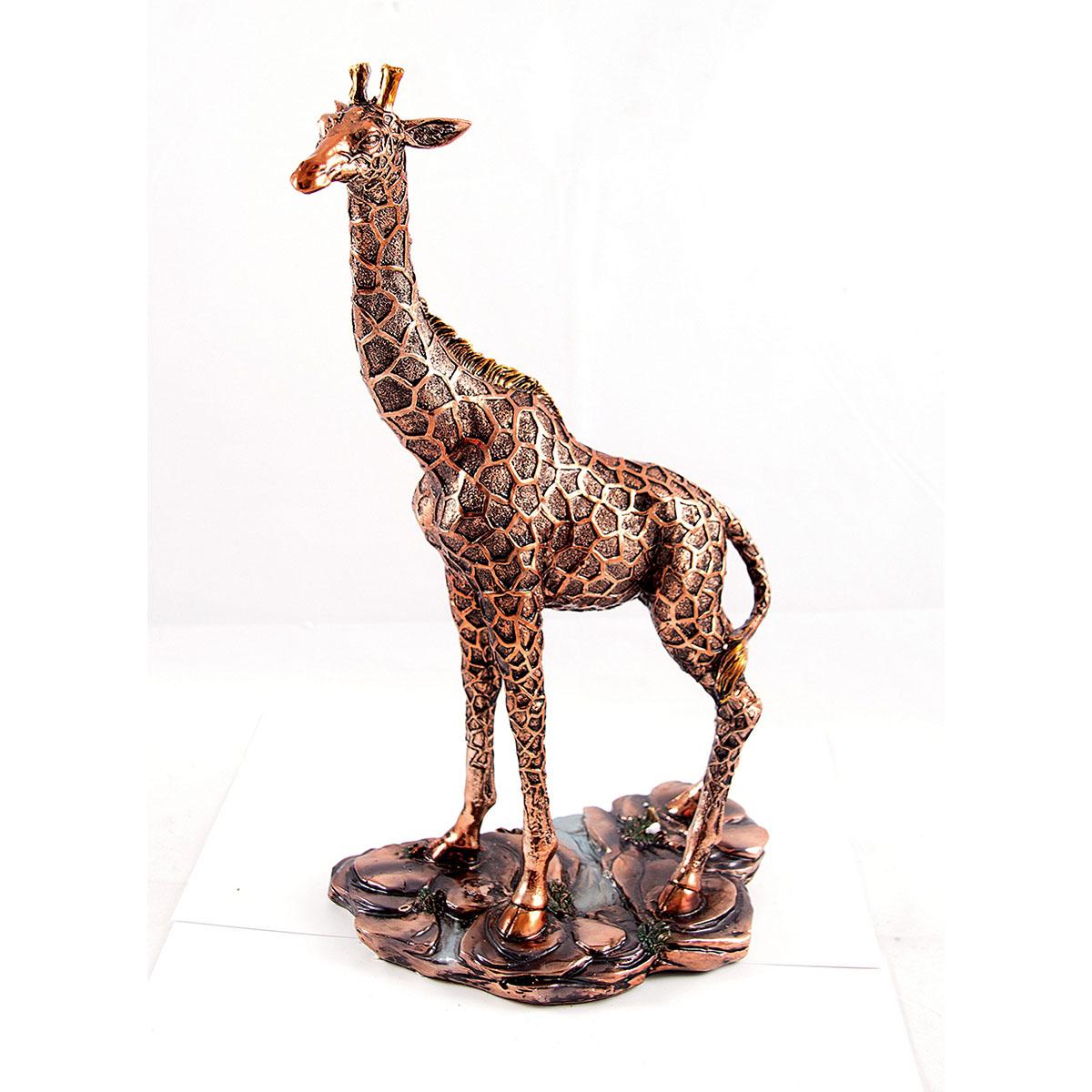 Статуэтка Русские Подарки Жираф, 21 х 37 см74-0120Статуэтка Русские Подарки Жираф, изготовленная изполистоуна, имеет изысканный внешний вид. Изделие станет прекрасным украшением интерьерагостиной, офиса или дома. Вы можете поставить статуэтку влюбое место, где она будет удачно смотреться и радоватьглаз. Правила ухода: регулярно вытирать пыль сухой, мягкой тканью.