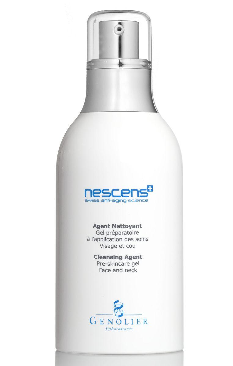Nescens Очищающий гель, 130 млFS-00897Подготовка кожи к основному уходу для лица и шеи. Очищающий гель имеет эффективную, но мягкую и щадящую моющую основу в сочетании с комплексом против сухости кожи. Разработан специально для ежедневного очищения кожи лица и шеи. Использование геля является обязательным подготовительным этапом перед нанесением любого косметического средства NESCENS. Основное действие ингредиентов: обеспечивают глубокое очищение, удаляют мертвые клетки и загрязнения, сохраняют естественный гидролипидный баланс, подготавливают кожу к нанесению космецевтических средств NESCENS.