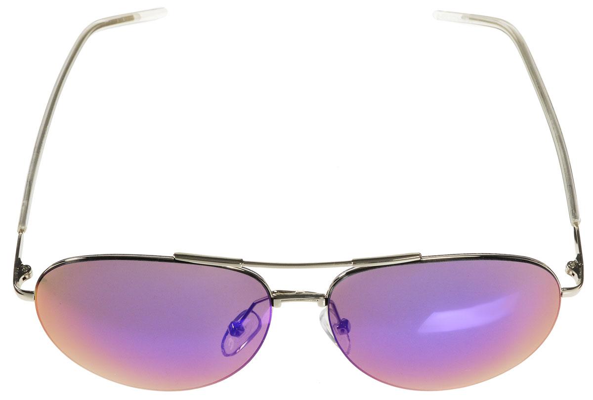Очки солнцезащитные женские Vitacci, цвет: серебряный. O171BM8434-58AEСтильные солнцезащитные очки Vitacci выполнены из металла с элементами из высококачественного пластика.Линзы данных очков имеют степень затемнения С5, а также обладают высокоэффективным поляризационным покрытием со степенью защиты от ультрафиолетового излучения UV400. Используемый пластик не искажает изображение, не подвержен нагреванию и вредному воздействию солнечных лучей. Оправа очков легкая, прилегающей формы, дополнена носоупорами и поэтому обеспечивает максимальный комфорт.Такие очки защитят глаза от ультрафиолетовых лучей, подчеркнут вашу индивидуальность и сделают ваш образ завершенным.