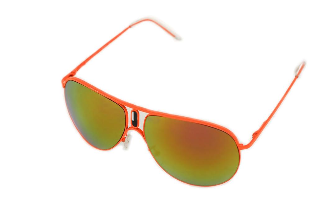Очки солнцезащитные Mitya Veselkov, цвет: оранжевый, желтый. P1011-120OMINT-06501Стильные солнцезащитные очки Mitya Veselkov выполнены из металла и высококачественного пластика.Линзы данных очков дополнены зеркальным покрытием. Используемый пластик не искажает изображение, не подвержен нагреванию и вредному воздействию солнечных лучей. Оправа очков легкая, прилегающей формы, дополнена носоупорами и поэтому обеспечивает максимальный комфорт.Такие очки защитят глаза от ультрафиолетовых лучей, подчеркнут вашу индивидуальность и сделают ваш образ завершенным.