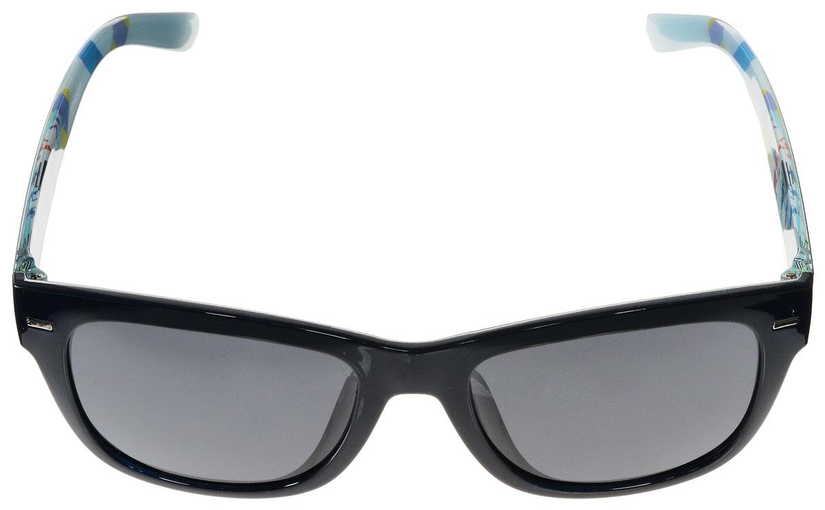 Очки солнцезащитные женские Vitacci, цвет: темно-синий, мультицвет. H95BM8434-58AEСтильные солнцезащитные очки Vitacci выполнены из высококачественного пластика с элементами из металла.Линзы данных очков имеют степень затемнения С3. Используемый пластик не искажает изображение, не подвержен нагреванию и вредному воздействию солнечных лучей. Пластиковая оправа очков легкая, прилегающей формы и поэтому обеспечивает максимальный комфорт. Дужки с внутренней стороны оформлены оригинальным принтом.Такие очки защитят глаза от ультрафиолетовых лучей, подчеркнут вашу индивидуальность и сделают ваш образ завершенным.