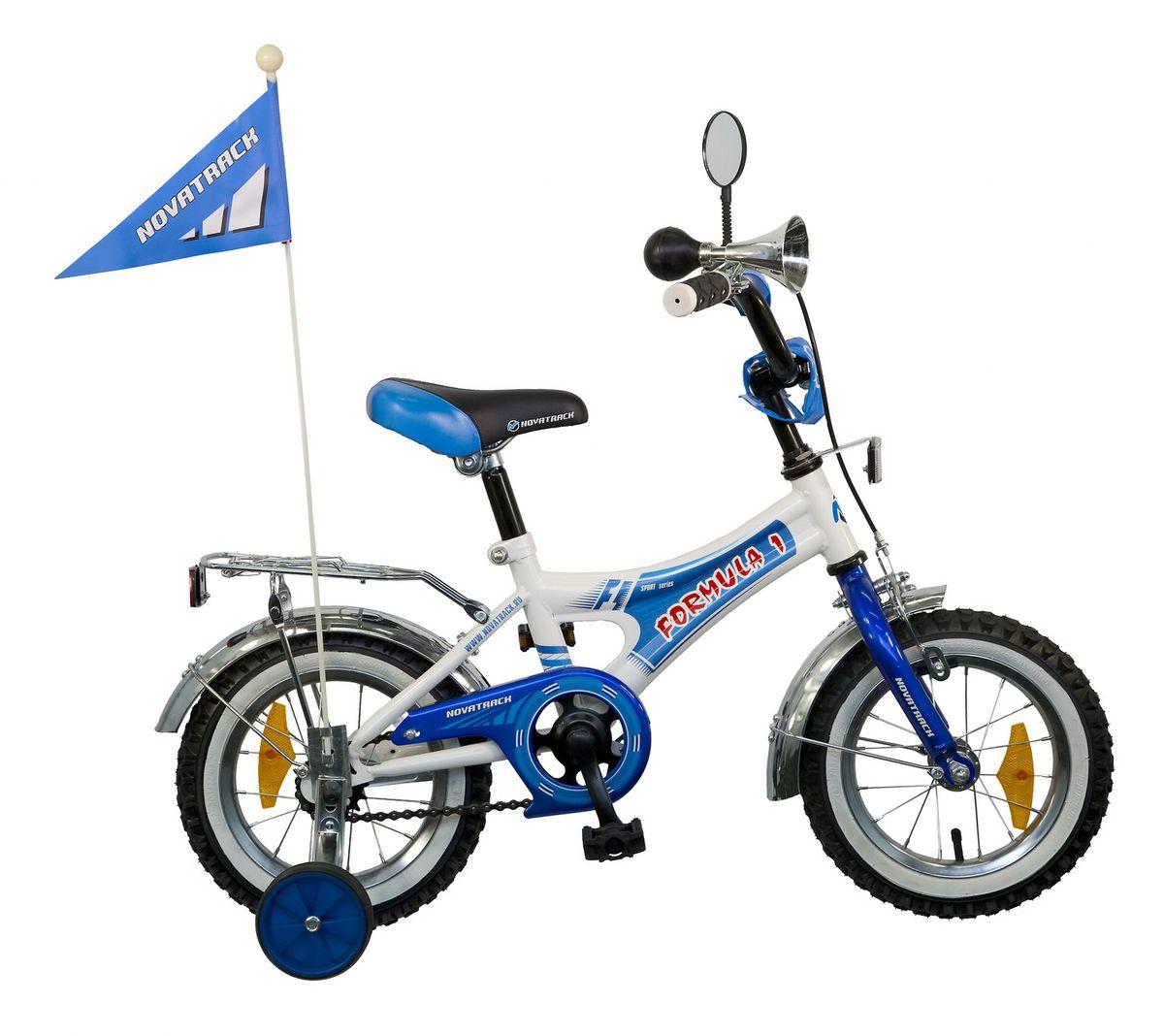 Велосипед детский Novatrack Formula 12, цвет: синий, белый125FORMULA.BL5Велосипед Novatrack Formula с 12-дюймовыми колесами станет отличным подарком для мальчика 2-4 лет. Привлекательный дизайн, надежная сборка, легкость и отличная управляемость – это еще не все плюсы данной модели. Велосипед хорошо укомлпектован: хромированные крылья, багажник, зеркальце, яркий флажок и звонкий гудок. Специальная декоратвная накладка убережет ножки ребенка от соприкосновения с цепью. Хромированные крылья защитят от брызг и грязи. Остановка осуществляется ножным и ручным передним тормозом. В целях безопасности велосипед оснащен ограничителем руля, который не позволит ребенку опрокинуть велосипед при резком повороте. Велосипед Formula оснащен съемными дополнительными колесами, которые можно будет снять, когда ребенок научится держать равновесие.