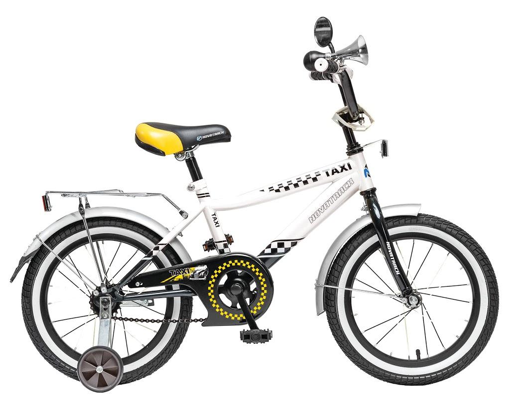 Велосипед детский Novatrack Taxi, цвет: черный, белый, 16167TAXI.WT6Novatrack Taxi c 16-дюймовыми колесами - это велосипед для мальчиков в возрасте от 5 до 7 лет. Дизайнеры позаботились о том, чтобы велосипед понравился будущему велогонщику: стильный дизайн завсегдатая городских дорог, надежный багажник для перевозки игрушек и прочих нужностей, на руле установлено зеркало заднего вида и гудок, такой же громкий, как у настоящих автомобилистов. На велосипед установлена мягкая накладка и декоративный щиток на руле, защита цепи, которая не позволит штанине попасть в механизм, надежный ножной тормоз, для того, чтобы быстро останавливаться в случае необходимости.