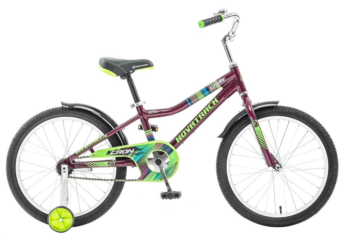 Велосипед детский Novatrack Cron, цвет: бордовый, зеленый, синий, 20205ACRON.PN5Хотите по настоящему порадовать своего ребенка и плюс к этому приобщить его к здоровому образу жизни? Тогда ему, несомненно, нужен велосипед Novatrack Cron. Эта модель предназначена для ребят 7-10 лет и одинаково нравится как мальчикам, так и девочкам. В этом велосипеде продумано все до мелочей: яркий боевой раскрас, безопасность и надежность. Установлена защита цепи, которая, в том числе, является важным элементом дизайна, стильные укороченные крылья, съемные дополнительные колеса, звонок и катафоты. Сидение очень просто и быстро регулируется при помощи надежного фиксатора, высоту и наклон руля также можно отрегулировать для обеспечения удобной посадки. Быстро остановиться поможет надежный ножной тормоз.