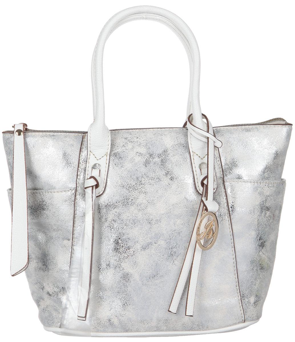 Сумка женская Jane Shilton, цвет: белый, серебристый. 208623008Стильная женская сумка Jane Shilton, выполненная из мягкой искусственной кожи с блестящим покрытием, дополнена фирменным брелоком. Изделие имеет одно основное отделение, которое закрывается на застежку-молнию. Внутри находятся прорезной карман на застежке-молнии и накладной открытый карман. Снаружи, по бокам расположены нашивные открытые карманы. Модель оснащена двумя удобными ручками.В комплект входит съемный плечевой ремень. Роскошная сумка внесет элегантные нотки в ваш образ и подчеркнет ваше отменное чувство стиля.