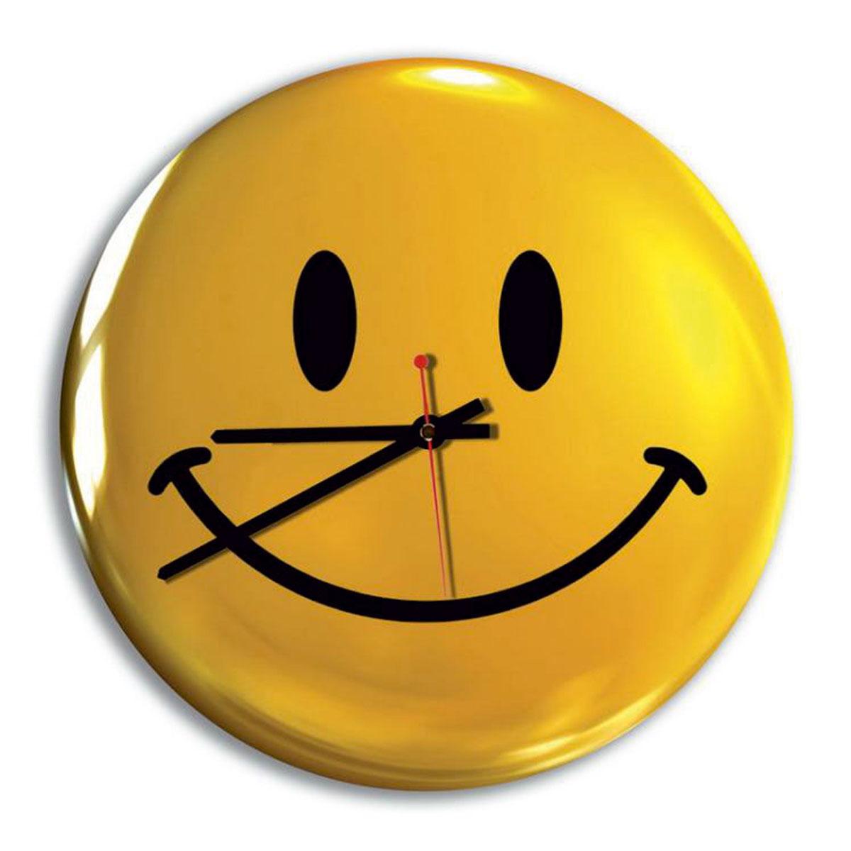 Часы настенные Miolla Смайлик, цвет: желтый, черный300074_ежевикаОригинальные настенные часы круглой формы выполнены из закаленного стекла. Часы имеют три стрелки - часовую, минутную и секундную и циферблат с цифрами. Необычное дизайнерское решение и качество исполнения придутся по вкусу каждому. Оформите свой дом таким интерьерным аксессуаром или преподнесите его в качестве презента друзьям, и они оценят ваш оригинальный вкус и неординарность подарка. Диаметр: 28 см.