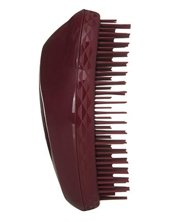 Tangle Teezer Расческа для волос The Original Thick&CurlyMP59.3DTangle Teezer – оригинальная профессиональная расческа для расчесывания волос, которая позволит вам с легкостью всего за одну минуту без рывков и напряжения расчесать мокрые, уязвимые или окрашенные волосы не нарушая структуру волос и не причиняя себе дискомфорта.
