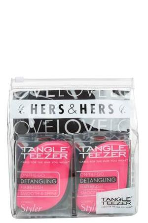 Tangle Teezer Набор расчесок для волос Compact Styler Hers&HersSatin Hair 7 BR730MNTangle Teezer – оригинальная профессиональная расческа для расчесывания волос, которая позволит вам с легкостью всего за одну минуту без рывков и напряжения расчесать мокрые, уязвимые или окрашенные волосы не нарушая структуру волос и не причиняя себе дискомфорта.