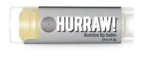 Hurraw! Бальзам для губ Licorice Lip Balm, 4,3 г4260254460289Бальзамы для губ Hurraw! производятся в США на небольшом домашнем производстве.Идея создателей бренда заключалась в том, чтобы разработать поистине идеальный бальзам для губ: натуральный, вегетарианский, произведенный из органических ингредиентов высочайшего качества и не содержащий вредных веществ и искусственных компонентов.Все бальзамы Hurraw! производятся из чистого органического масла, которое добывается путем холодного отжима, что позволяет всем веществам сохранять свои полезные свойства.Помимо этого, приятно знать, что продукция марки Hurraw! не содержит ингредиентов животного происхождения и никогда не тестируется на животных.А еще бальзамы разливаются по флакончикам вручную!