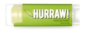 Hurraw! Бальзам для губ Mint Lip Balm, 4,3 г7913Бальзамы для губ Hurraw! производятся в США на небольшом домашнем производстве.Идея создателей бренда заключалась в том, чтобы разработать поистине идеальный бальзам для губ: натуральный, вегетарианский, произведенный из органических ингредиентов высочайшего качества и не содержащий вредных веществ и искусственных компонентов.Все бальзамы Hurraw! производятся из чистого органического масла, которое добывается путем холодного отжима, что позволяет всем веществам сохранять свои полезные свойства.Помимо этого, приятно знать, что продукция марки Hurraw! не содержит ингредиентов животного происхождения и никогда не тестируется на животных.А еще бальзамы разливаются по флакончикам вручную!