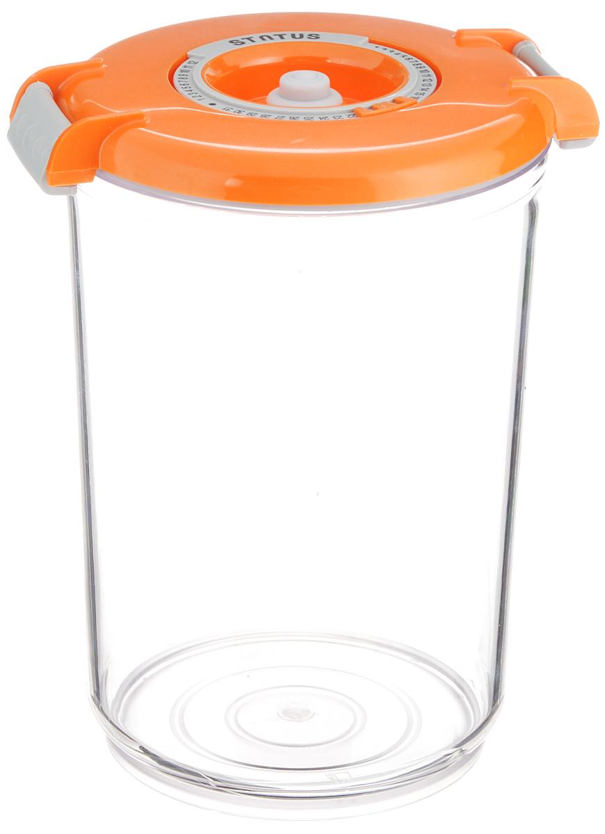 Контейнер вакуумный Status, с индикатором даты срока хранения, цвет: прозрачный, оранжевый, 1,5 лVT-1520(SR)Вакуумный контейнер Status выполнен из хрустально-прозрачного прочного тритана. Благодаря вакууму, продукты не подвергаются внешнему воздействию, и срок хранения значительно увеличивается, сохраняют свои вкусовые качества и аромат, а запахи в холодильнике не перемешиваются. Допускается замораживание до -21°C, мойка контейнера в посудомоечной машине, разогрев в СВЧ (без крышки). Рекомендовано хранение следующих продуктов: макаронные изделия, крупа, мука, кофе в зёрнах, сухофрукты, супы, соусы. Контейнер имеет индикатор даты, который позволяет отмечать дату конца срока годности продуктов.Размер контейнера (с учетом крышки): 13 х 13 х 19,5 см.