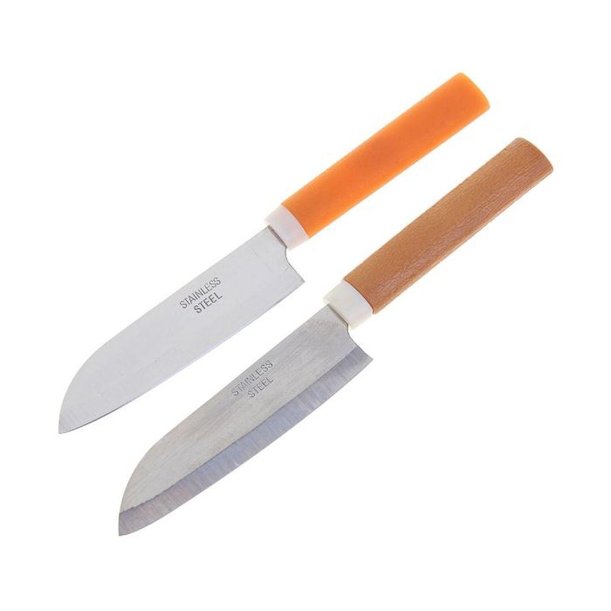 Нож Sima-land, 21,5 см. 12189391218939Лезвие ножа Sima-land выполнено из стали, ручка - из пластика. Нож – неотъемлемый атрибут настоящего мужчины. Издревле ножи и клинки вручались знатным особам за проявление отваги и чести на военной службе. Такие подарки очень ценились и становились семейными реликвиями. Сегодня нож - это прекрасный подарок, который подойдет любому мужчине.Размеры: 21,5 х 1,4 х 4 см. В комплекте пластиковый чехол.