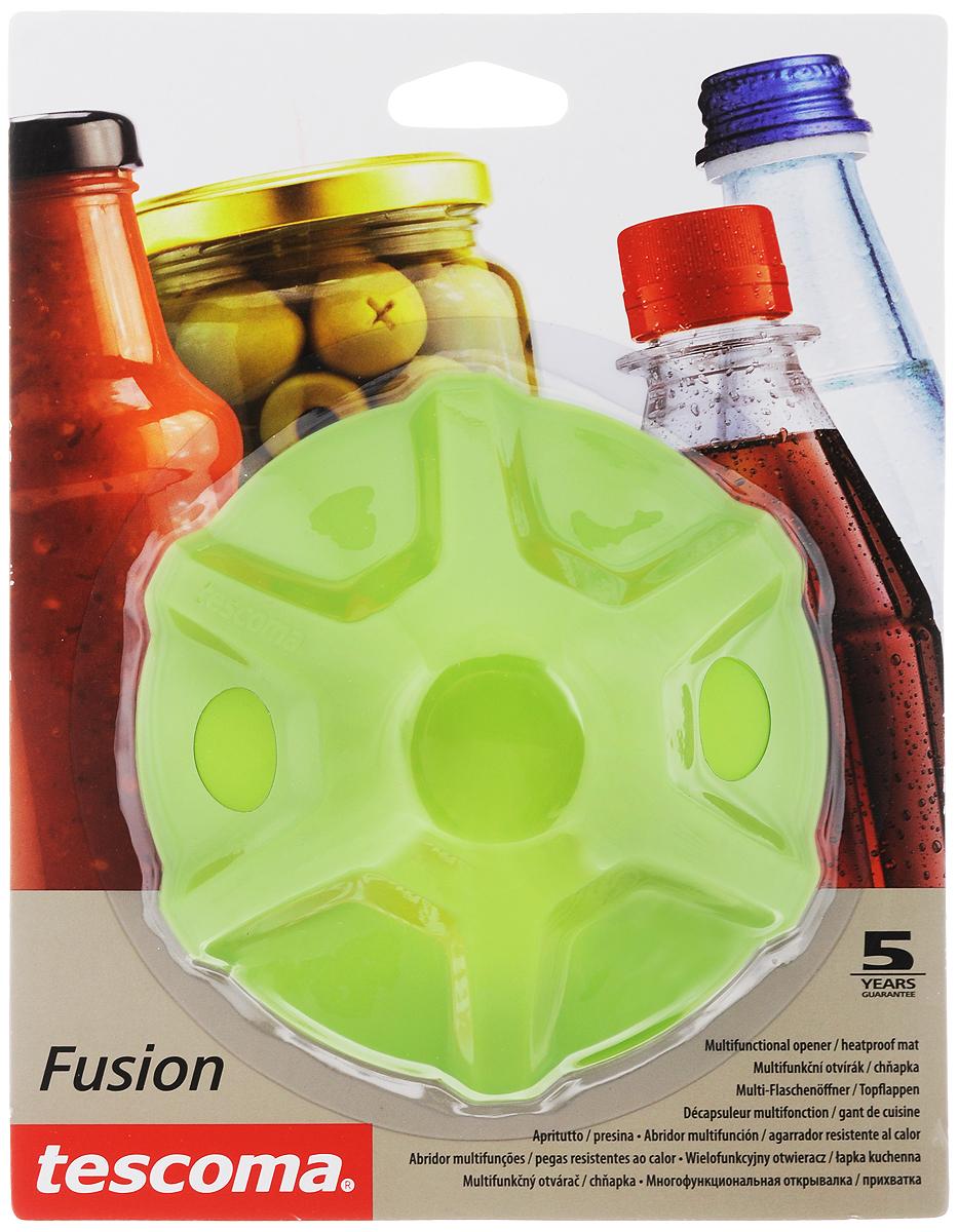 Прихватка-открывалка Tescoma Fusion, цвет: зеленый1004900000360Многофункциональная прихватка-открывалка Tescoma Fusion, выполненная из высококачественного силикона, подходит для открывания всех видов бутылок и сосудов с винтовыми крышками с диаметром до 10 см, от ПЭТ-бутылок до банок. Изделие отлично подходит в качестве термостойкой кухонной прихватки при манипуляции с горячими кастрюлями и сковородками. Можно мыть в посудомоечной машине. Диаметр: 13 см.
