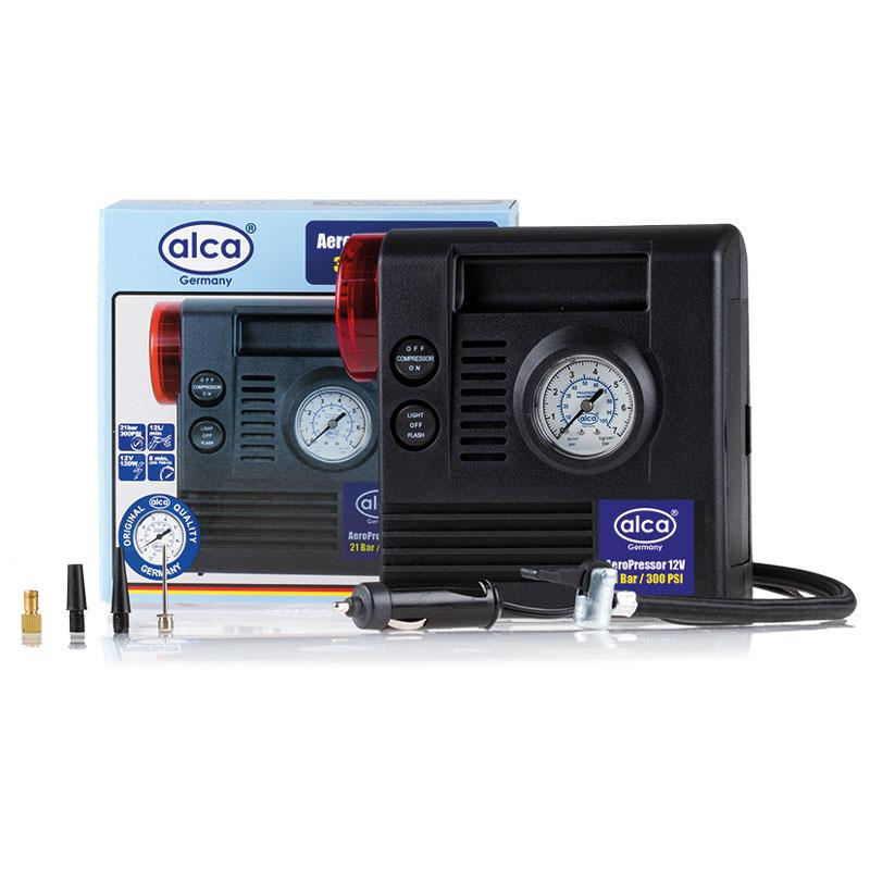 Автомобильный компрессор Alca, 3 в 1, 12 В. 233000SP810ЕРАвтомобильный компрессор Alca предназначен для быстрого накачивания шин, резиновых лодок, мячей, матрацев и других резиновых изделий. Корпус выполнен из прочного пластика. Компрессор оборудован точным манометром со шкалой 7 бар, сигнальной лампой и фонарем, помогающим накачивать резиновые изделия даже в темное время суток. Работает от прикуривателя автомобиля.В комплекте дополнительные насадки.Максимальное давление: 17 бар.Скорость заполнения шин 205 70R15: примерно 8 мин.