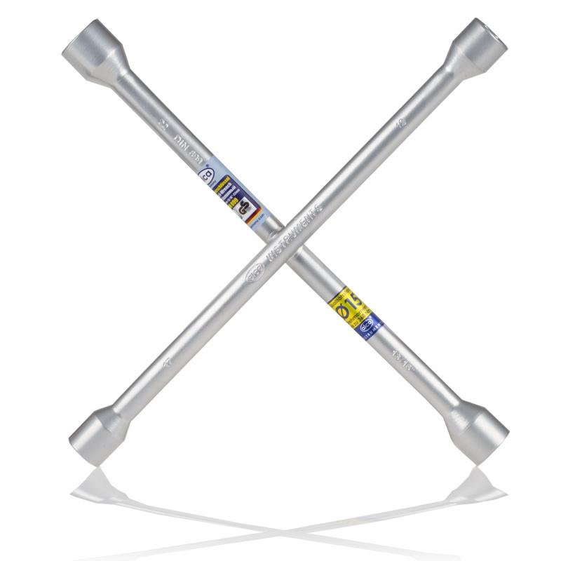 Ключ баллонный крестовой Alca, 17 х 19 х 21 х 23 мм98298130Баллонный крестовой ключ Alca применяется для монтажа/демонтажа автомобильных колес. Такой инструмент является идеальным решением для использования в любых автосервисах. Данный ключ имеет четыре головки размерами 17 мм, 19 мм, 21 мм и 23 мм. Ключ выполнен из высококачественной стали.