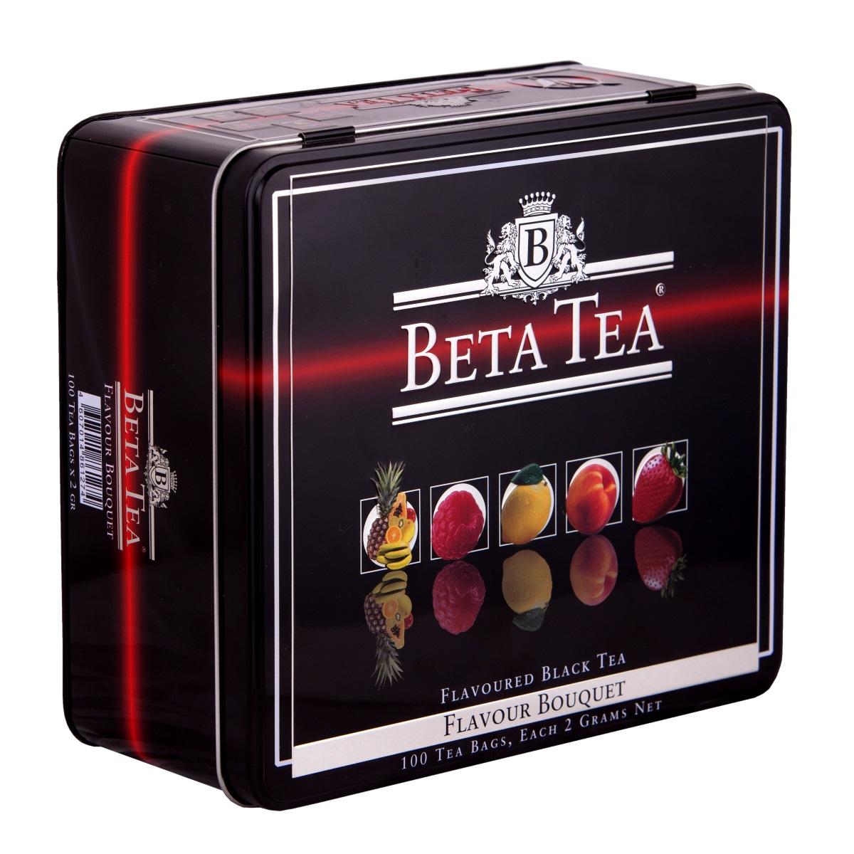 Beta Tea Букет ароматов чайный набор, 100 шт (подарочная упаковка)101246Совершенный баланс высококачественного черного чая и нежного аромата натуральных фруктов и ягод, продолжительная свежесть и богатство оттенков вкуса делают Beta Tea Букет ароматов не только изумительным тонизирующим, но и великолепным десертным напитком, способным удовлетворить вкусы самых придирчивых чайных гурманов. Набор включает в себя:Чай Beta Tea Малина (20 шт., 40 г.). Он содержит в себе неповторимый аромат малины, что придает напитку изысканный вкус. Этот чай, собранный с самых лучших плантаций Цейлона, производится в экологически чистых условиях при помощи современных технологий.Чай Beta Tea Мультифруктовый (20 шт., 40 г.) с превосходным вкусом в сочетании с фруктовым ароматом доставит удовольствие всем любителям чая. В его состав входит смесь лучших сортов из Индии, Цейлона и Кении.Beta Tea Лимон (20 шт., 40 г.) содержит в себе приятный аромат лимона, что придает чаю изысканный вкус. Этот чай, собранный с самых лучших плантаций Цейлона, производится в экологически чистых условиях при помощи современных технологий.Чай Beta Tea Клубника (20 шт., 40 г.). Он содержит в себе яркий аромат клубники, что придает напитку неповторимый вкус. Этот чай, собранный с самых лучших плантаций Цейлона, производится в экологически чистых условиях при помощи современных технологий.Чай Beta Tea Персик (20 шт., 40 г.). Напиток содержит в себе неповторимый персиковый аромат, что придает ему изысканный вкус. Этот чай, собранный с самых лучших плантаций Цейлона, производится в экологически чистых условиях при помощи современных технологий.