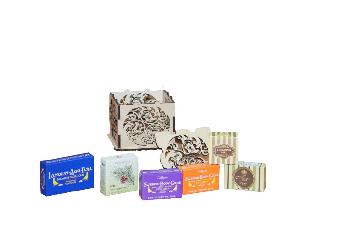 Victoria Soap Набор Королевское мылоFS-36054Подарочный набор Королевское мыло - это восхитительная коллекция мыла с разными ароматами и характерами. Аристократическое мыло по старинным рецептам, так любимое при Королевском Дворе Швеции в винтажной деревянной шкатулке, запечатанная сургучевой печатью, будет идеальным подарком для вашей кожи и для ваших любимых! Королевское мыло от VictoriaSoap приведет в восторг даже самую взыскательную особу!В набор входит: -Мыло-маска для лица Lanolin-Agg-Tval, 50 г-Мыло для тела TALLBA, 30 г-Мыло для тела Shea-Honung-Blabar, 25 г-Мыло для тела Shea-Honung-Hjortron, 25 г -Мыло для тела Olive Oil Soap, 25 г-Мыло для тела Cremosin, 25 г.