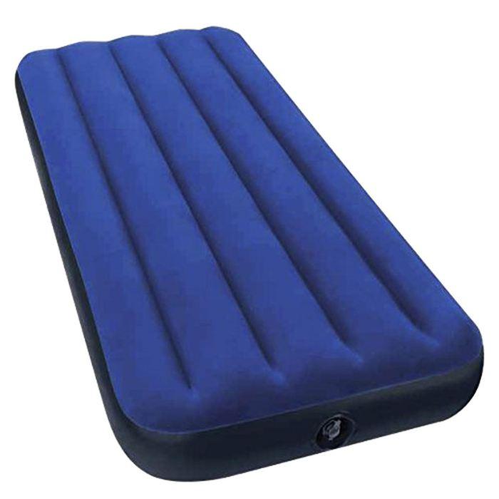 Матраc надувной Intex Classic Downy Jr. Twin 76х191х22 см, цвет: синий. 6895067742Матраc надувной Classic Downy Jr. Twin имеет привлекательный темно-синий цвет. Особенность матраса - наилучшее соотношение цена-качество. При минимальной стоимости изделия Вы получаете комфортную дополнительную кровать для дома и прочный матрас для туризма. Флокированное (велюровое) покрытие не позволит скользить постельному белью. Внутреннее устройство матраса представляет собой оболочку с перегородками для плавного перетекания воздуха. Материал надувного матраса - прочный высококачественный и водонепроницаемый винил. Надувной матрас оснащен клапанами 2 в одном, позволяющими быстро спустить или накачать воздух, используя любой насос фирмы Intex. Матрас можно использовать как дома, так и в путешествиях. Насос в комплекте не предусмотрен.Матраc надувной Classic Downy Jr. Twin 76х191х22 см