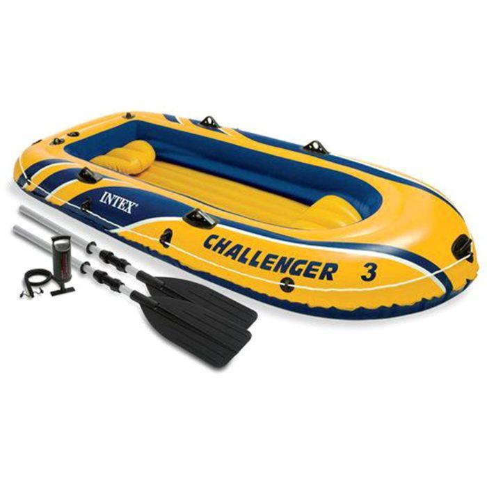 Лодка Intex Challeneger 3, цвет: желтый с синим. 68370NPMABLSEH10001Лодка Intex состоит из абсолютно независимых трех воздушных отсеков. Каждый отсек имеет клапан для быстрого скачивания и надувания лодки. Основной, внешний отсек придает лодке форму. Внутренние отсеки создают жесткость лодки на плаву и обеспечивают пассивную безопасность, в случае повреждения основного отсека. Надувной пол обеспечивает дополнительный комфорт нахождения внутри изделия. Для удобства конструкция надувного пола сделана волнистой, поперек бортам лодки. Лодка имеет крепления для весел и две лодочные уключины. На носу имеется пластиковая ручка, для переноса лодки или спуска на воду. Вокруг внешней камеры лодки находится веревочный трос, его можно использовать как для буксировки лодки, так и для швартования.Лодка Challeneger 3 трех-ая до 255кг 295х137х43см (в ком-те:весла,насос,2 подушки)