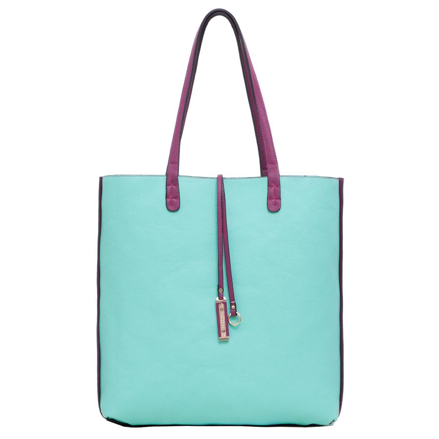 Сумка женская OrsOro, цвет: мятный, фиолетовый. D-217/38BM8434-58AEСтильная женская двухсторонняя сумка OrsOro выполнена из мягкой экокожи зернистой фактуры. Сумка имеет одно основное отделение без застежки. Дополнена подвеской. В комплект к сумке идет дополнительная сумочка на застежке-молнии с плечевым ремнем. Внутри сумочки находится прорезной карман на застежке-молнии. Роскошная сумка внесет элегантные нотки в ваш образ и подчеркнет ваше отменное чувство стиля.