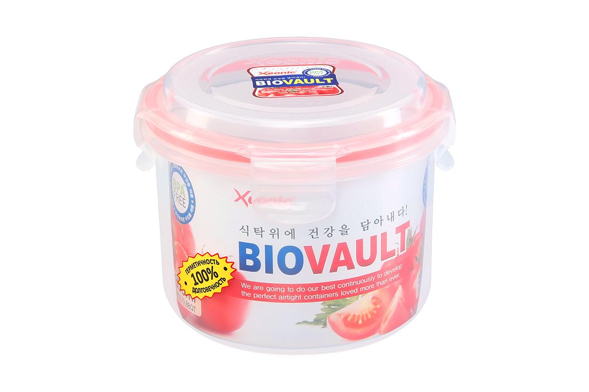Контейнер пищевой Xeonic, круглый, цвет: прозрачный, красный, 830 мл. 81006421395599Пластиковые герметичные контейнеры для хранения продуктов Xeonic произведены из высококачественных материалов, имеют 100% герметичность, термоустойчивы, могут быть использованы в микроволновой печи и в морозильной камере, устойчивы к воздействию масел и жиров, не впитывают запах. Удобны в использовании, долговечны, легко открываются и закрываются, не занимают много места, можно мыть в посудомоечной машине. Размеры контейнера: 13,5 х 13,5 х 11 см.